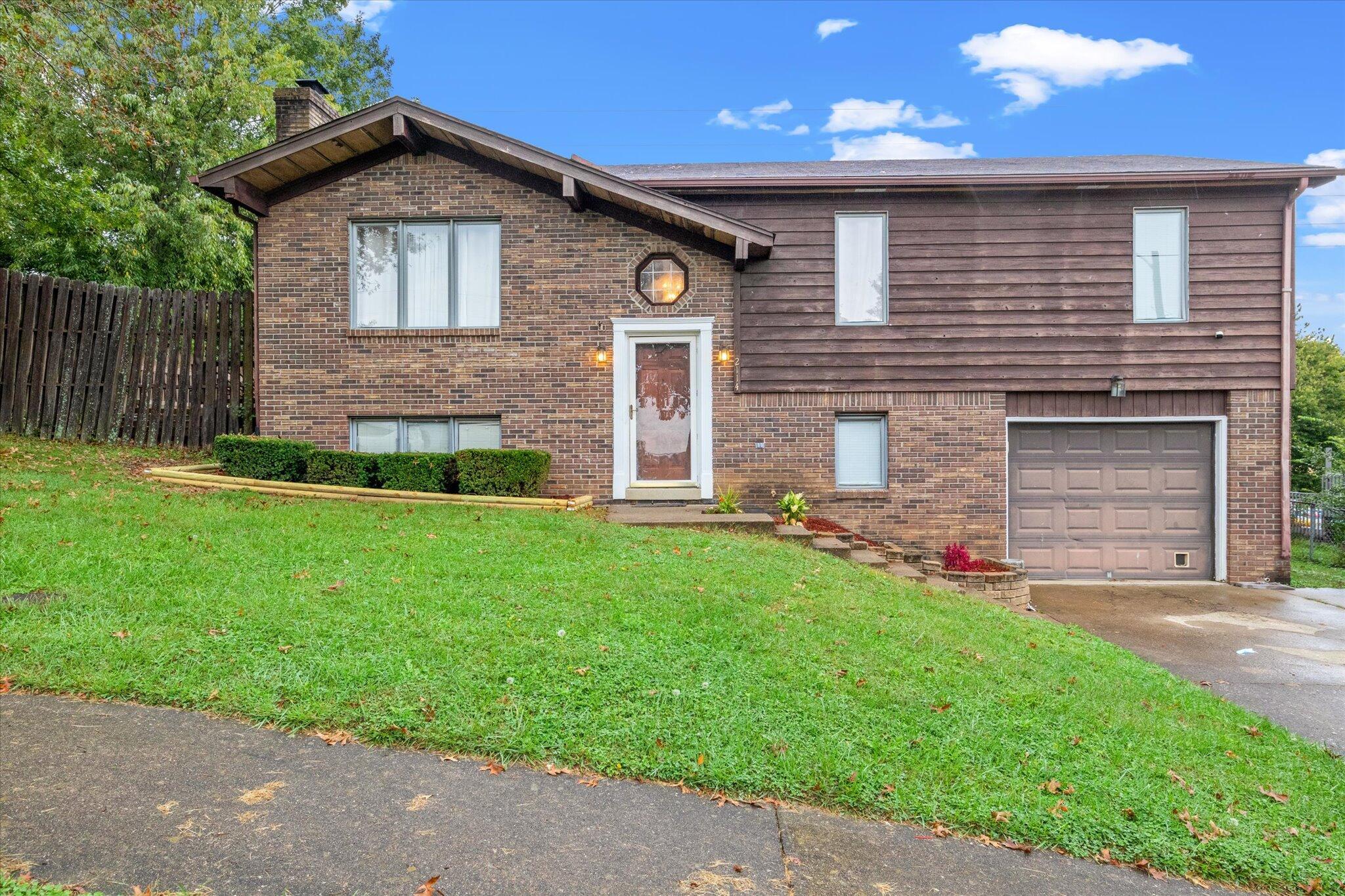 2114 Mercer Drive, Richmond, Kentucky 40475, 3 Bedrooms Bedrooms, ,3 BathroomsBathrooms,Residential,For Sale,Mercer,20122845