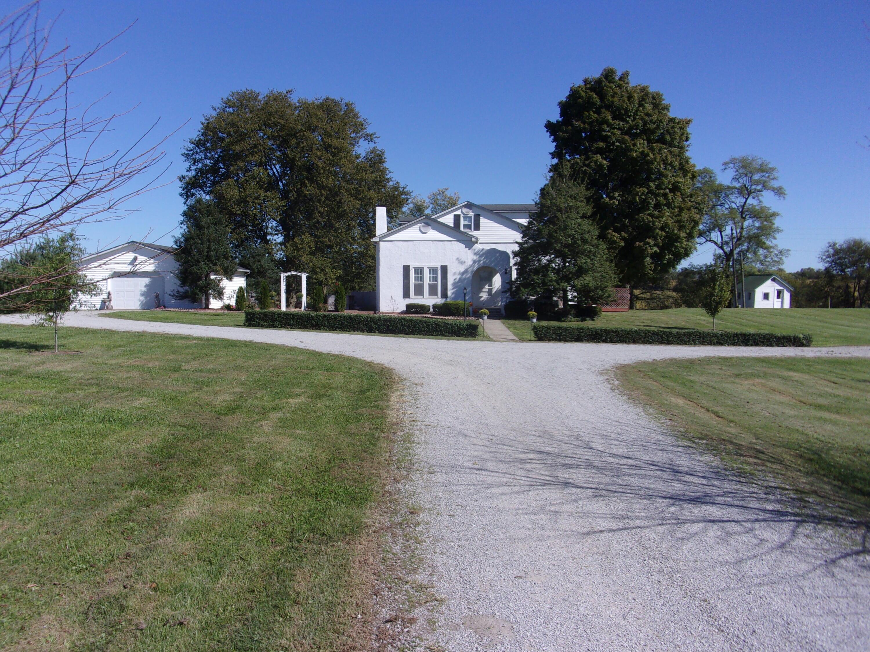 1750 Lawrenceburg Road, Bloomfield, KY 40008