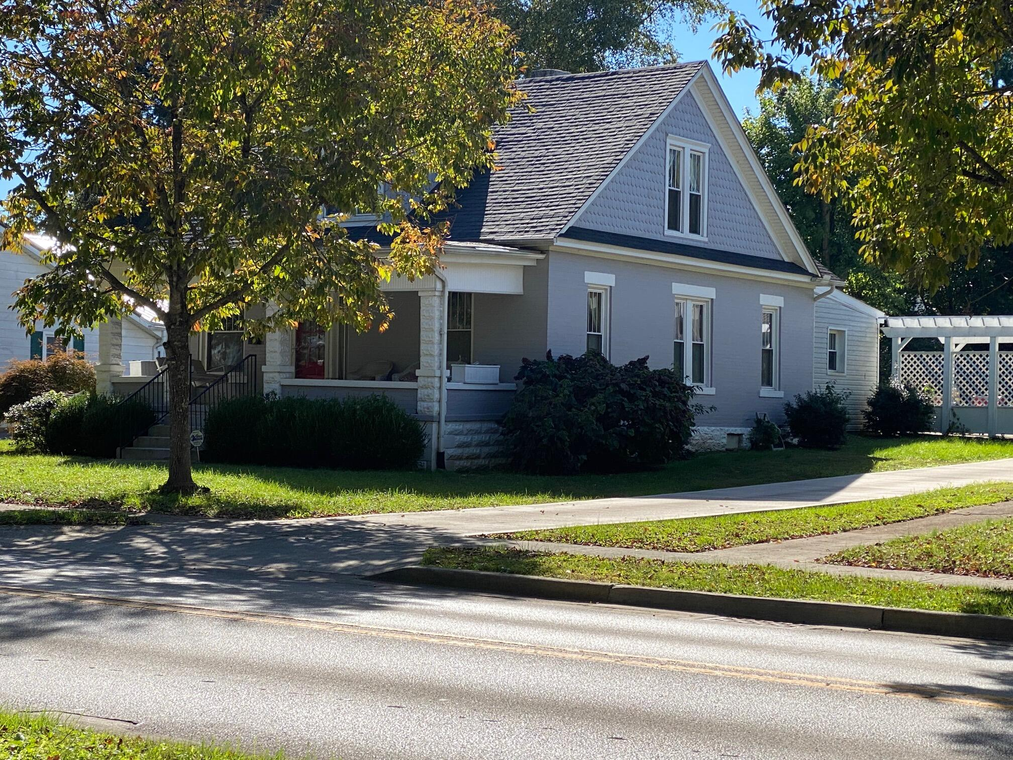 408 College Street, Somerset, Kentucky 42501, 4 Bedrooms Bedrooms, ,2 BathroomsBathrooms,Residential,For Sale,College,20122965