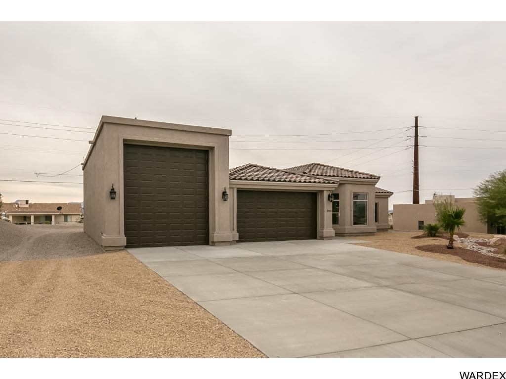 Listing photo id 3 for 2050 Palo Verde N
