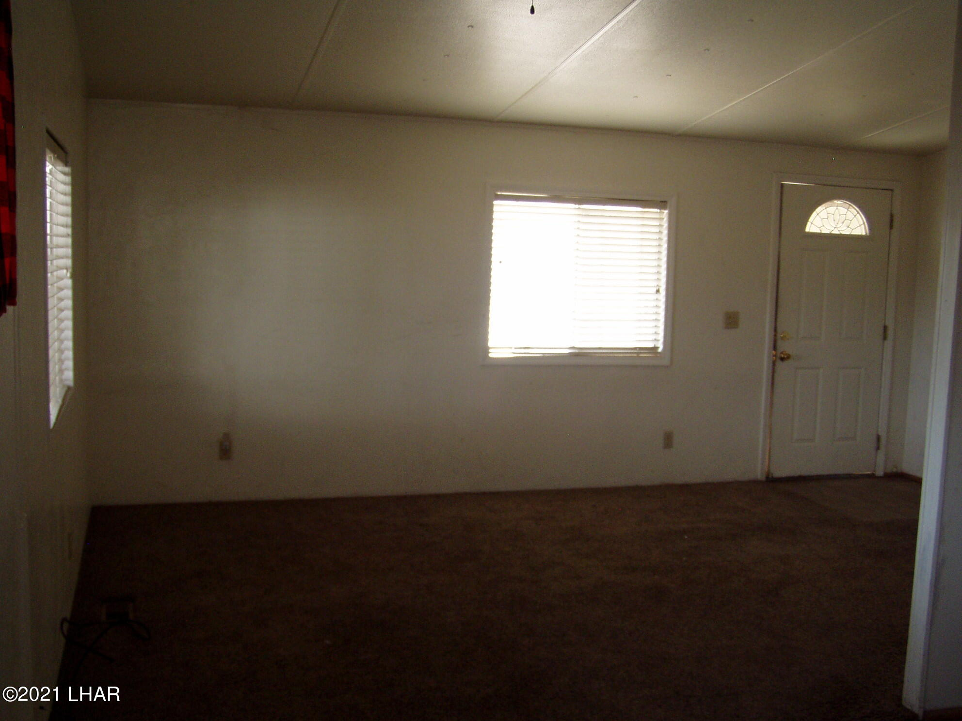 Listing photo id 16 for 10880 Admiral