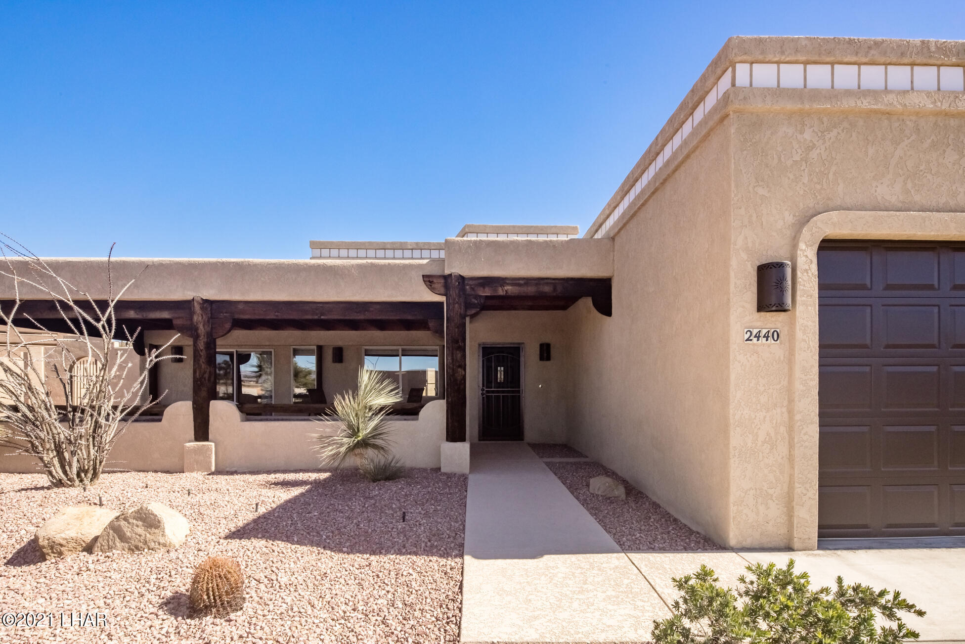 Listing photo id 7 for 2440 Souchak