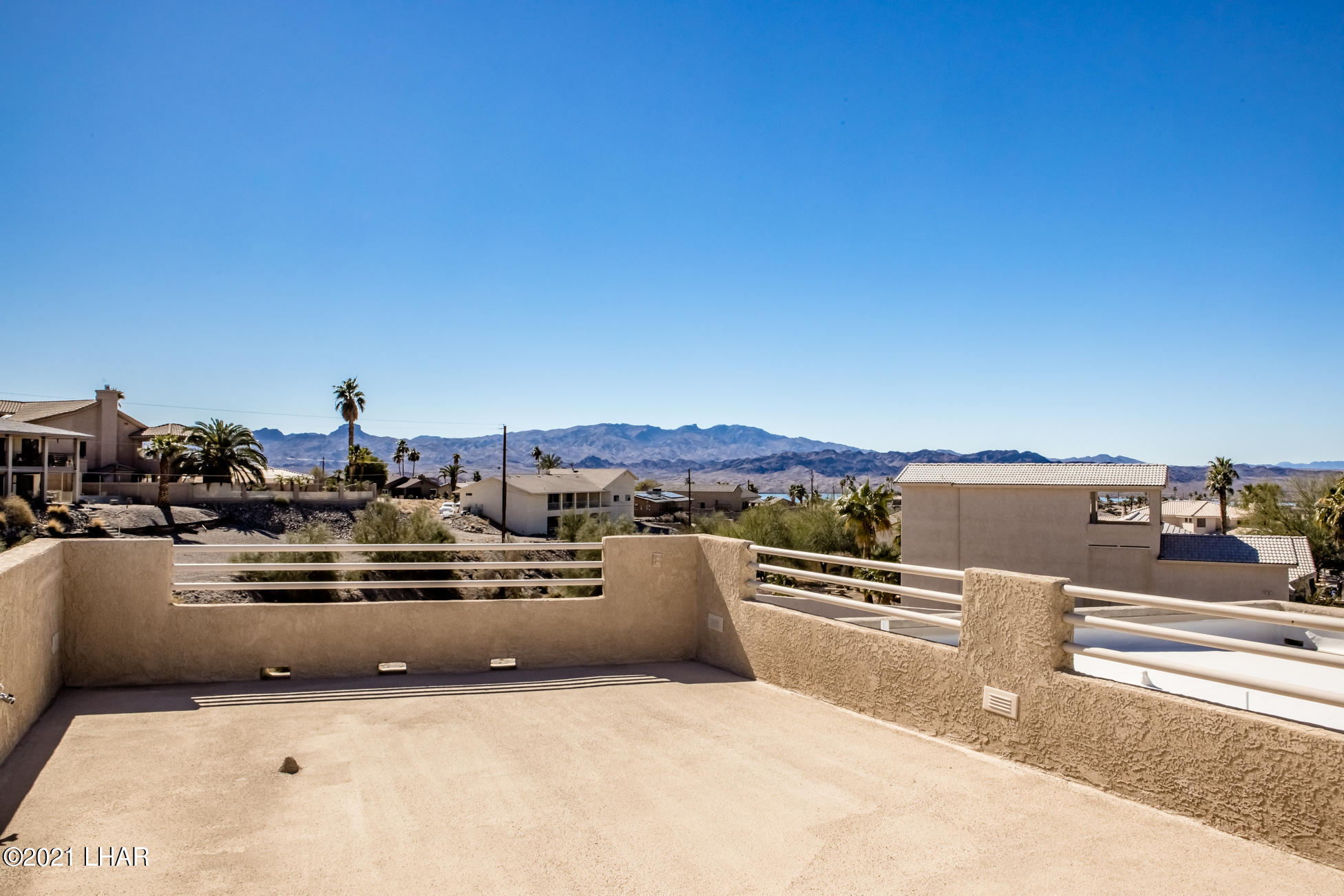 Listing photo id 63 for 2440 Souchak