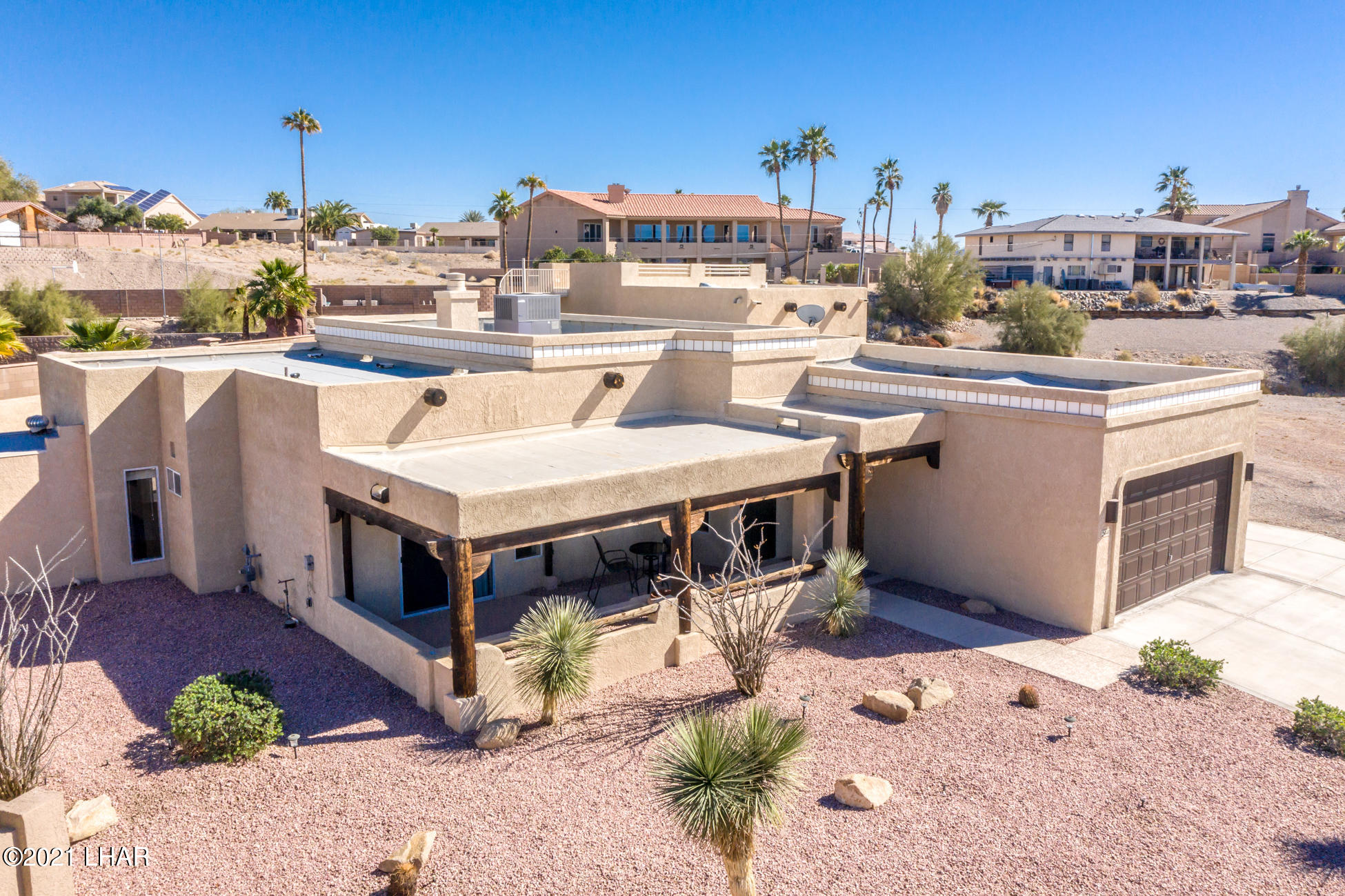 Listing photo id 73 for 2440 Souchak