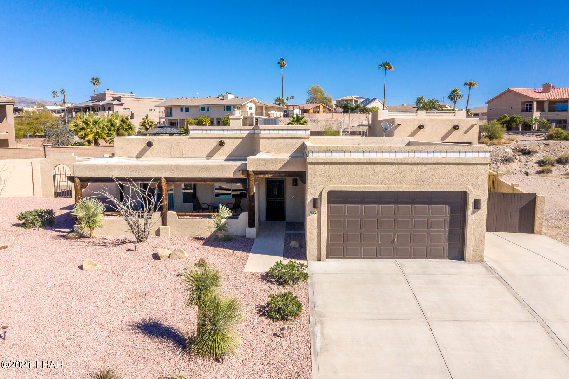 Listing photo id 83 for 2440 Souchak