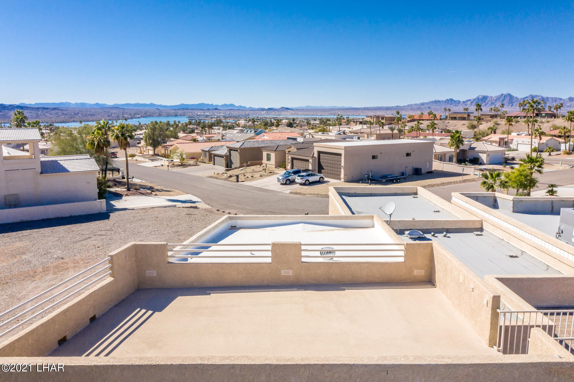Listing photo id 95 for 2440 Souchak