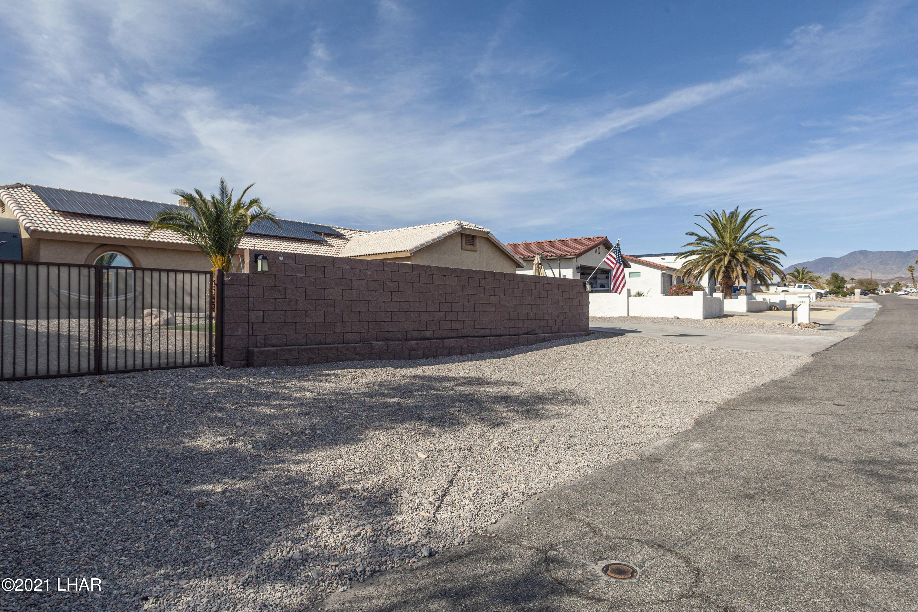 Listing photo id 2 for 3367 Bluegrass