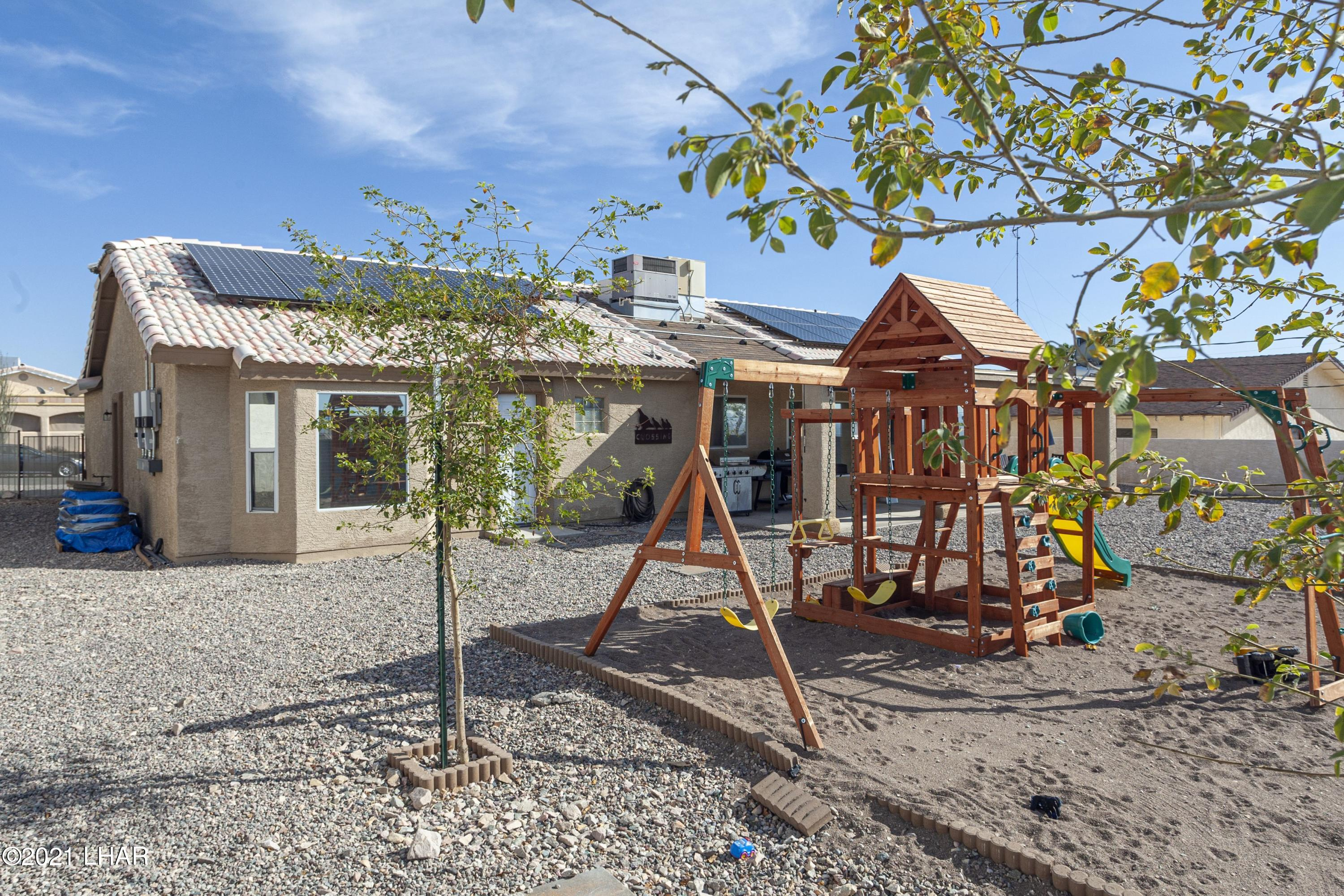 Listing photo id 24 for 3367 Bluegrass