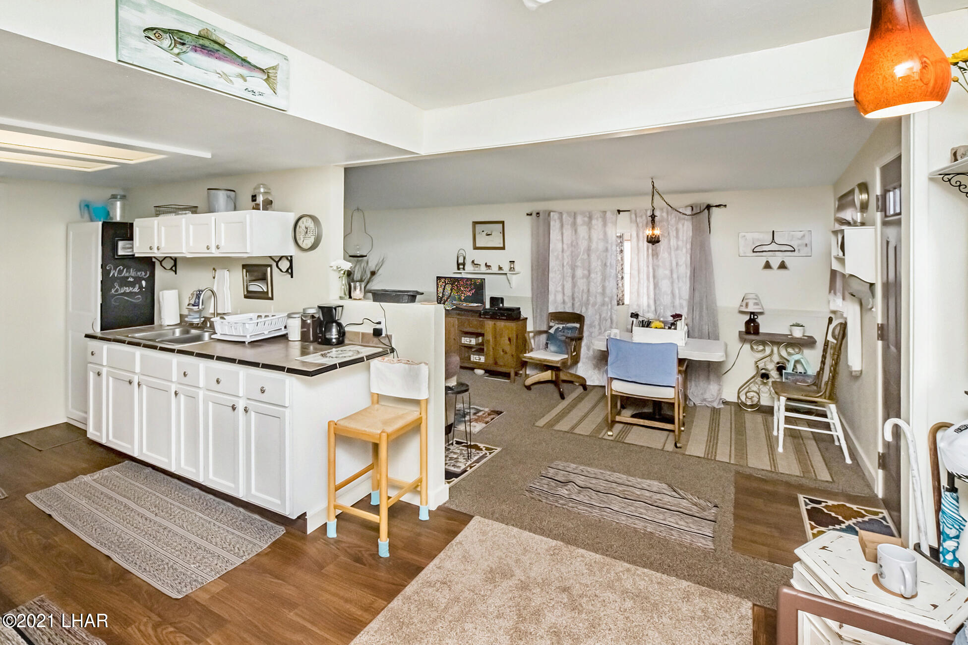 Listing photo id 19 for 562 Mead