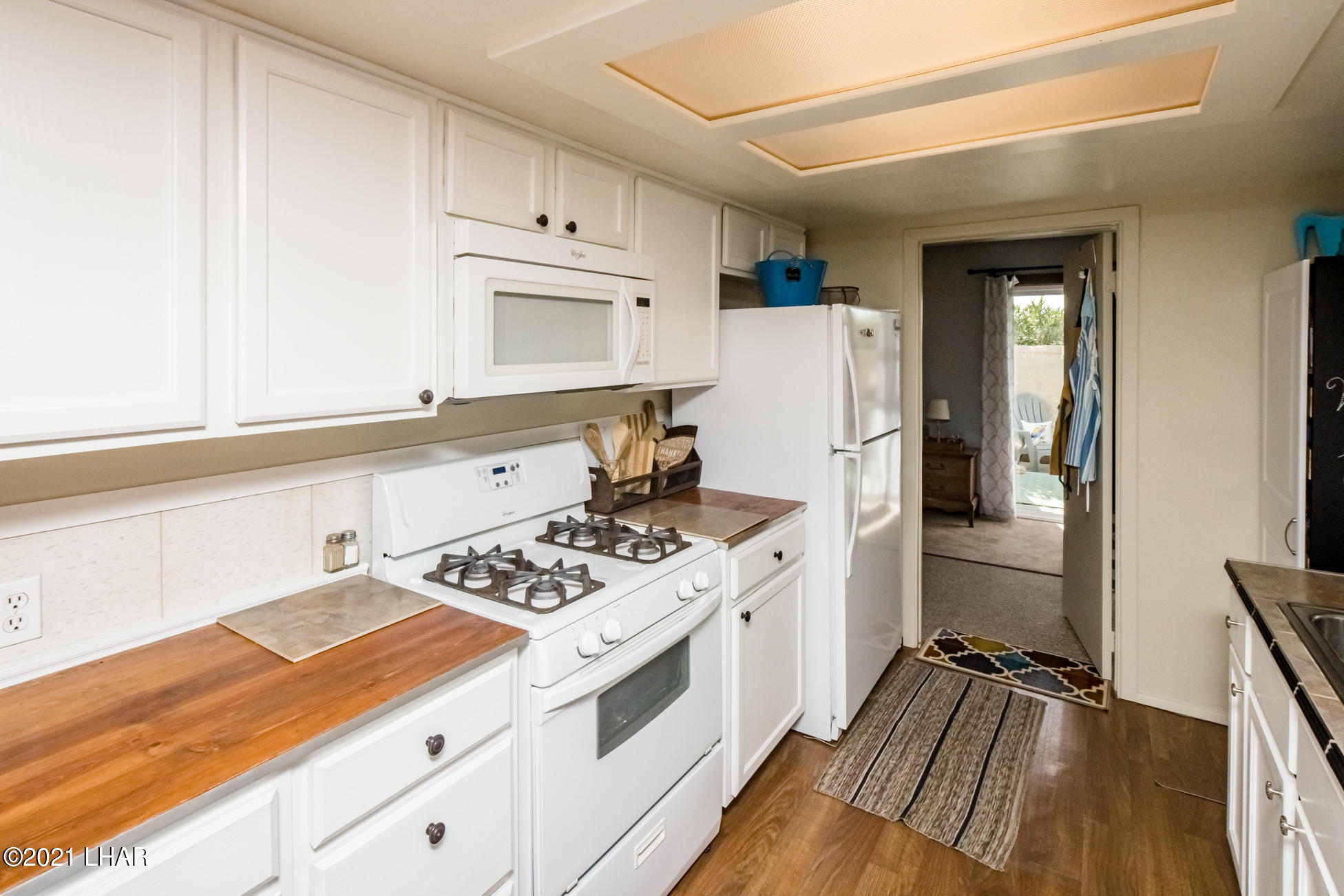 Listing photo id 23 for 562 Mead