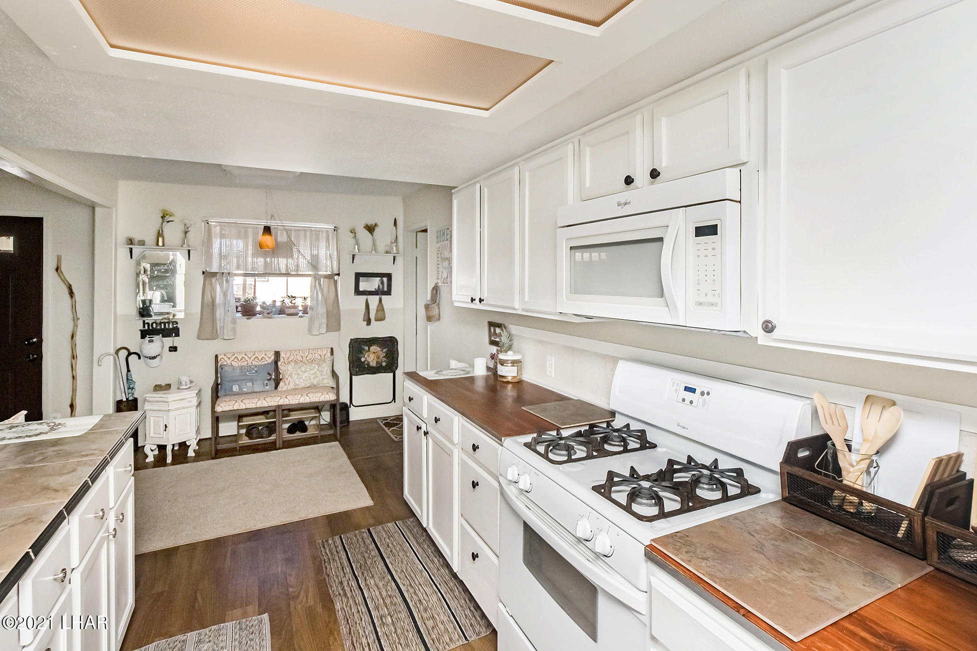 Listing photo id 25 for 562 Mead