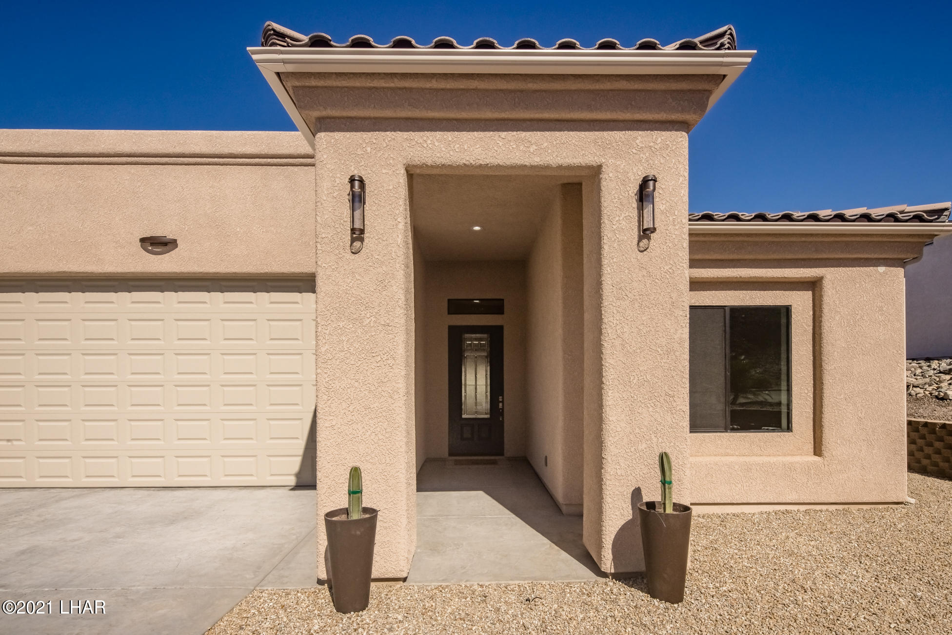 Listing photo id 5 for 3125 Maverick