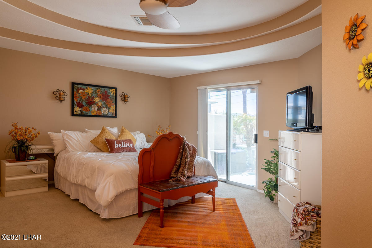 Listing photo id 18 for 2810 Castaway