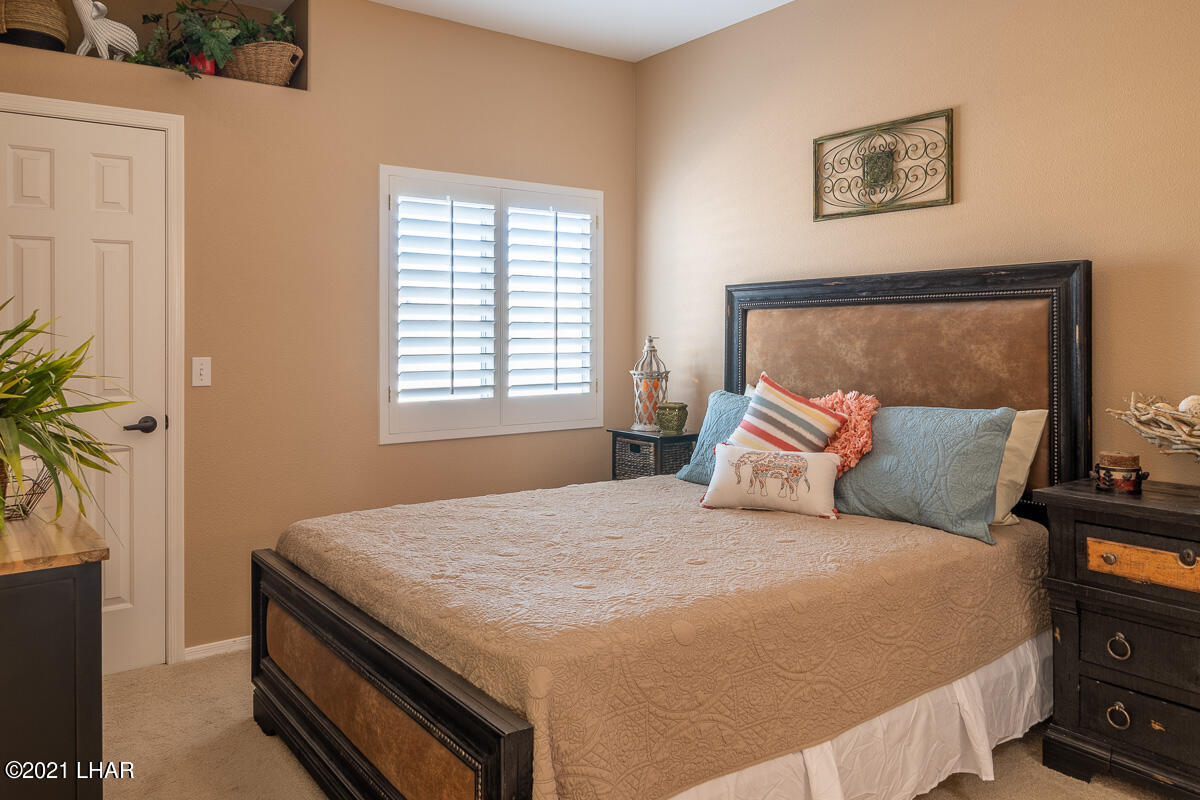 Listing photo id 23 for 2810 Castaway