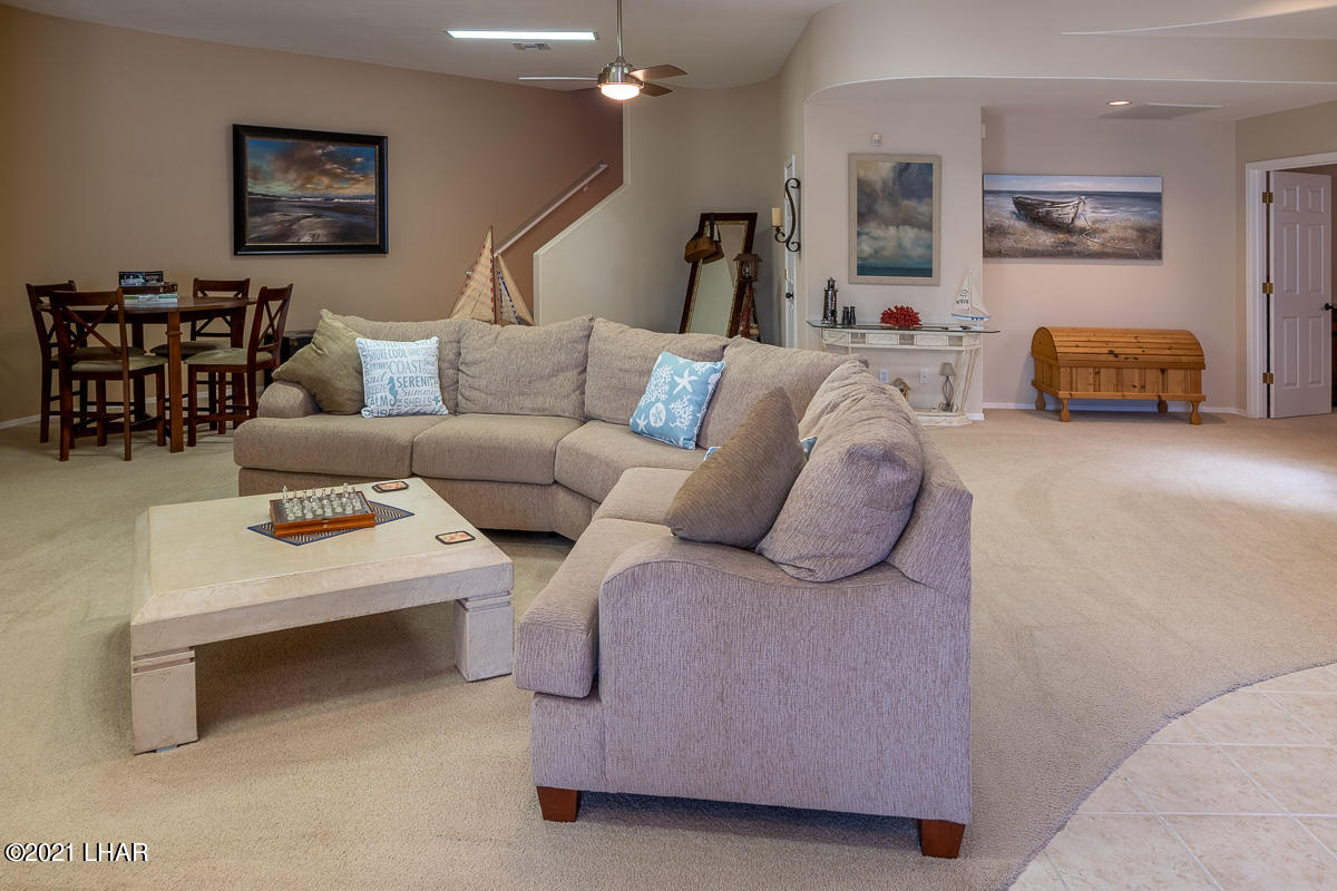 Listing photo id 36 for 2810 Castaway