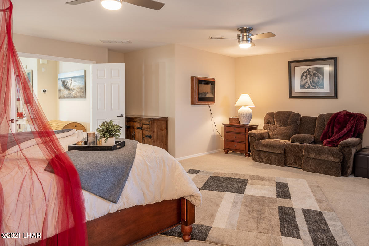 Listing photo id 30 for 2810 Castaway