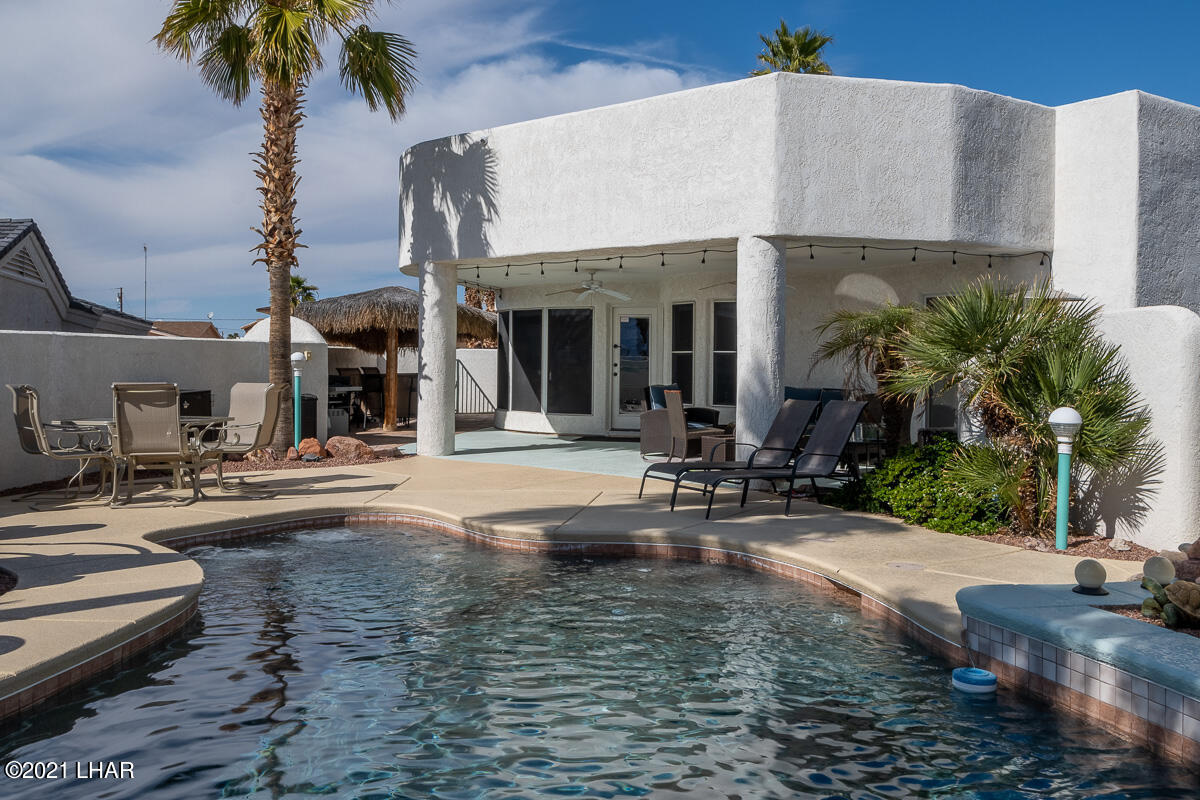Listing photo id 17 for 2810 Castaway