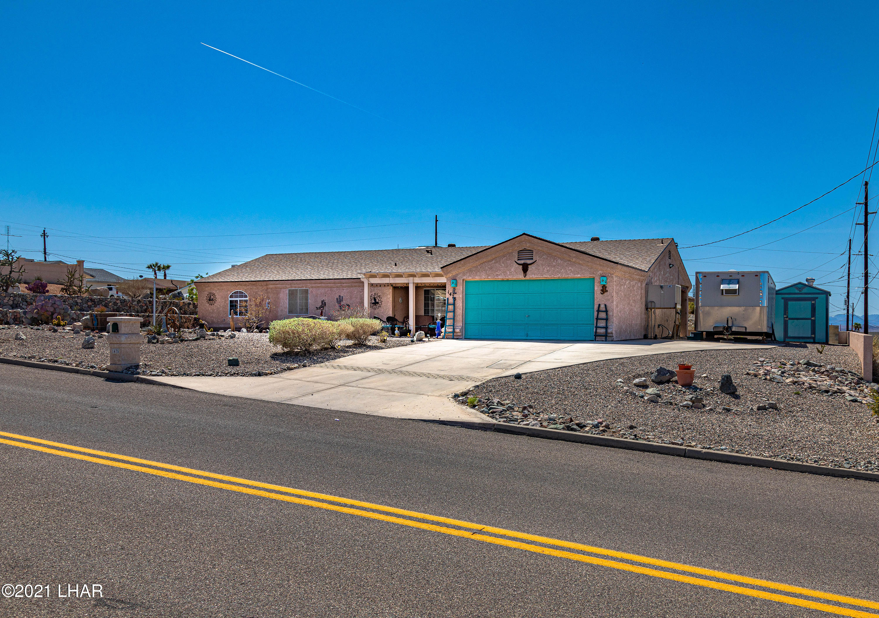 Listing photo id 3 for 1475 Avalon
