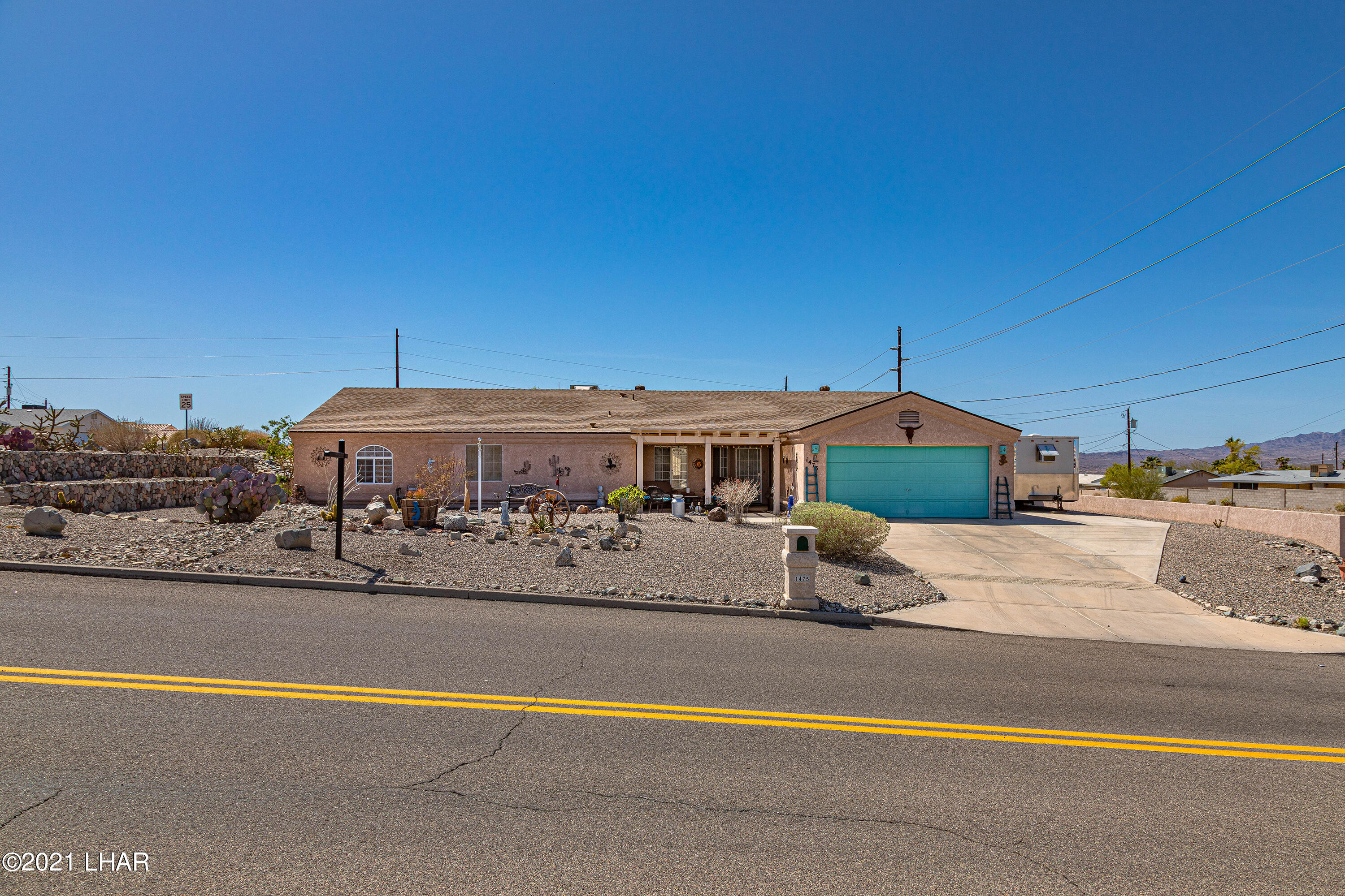 Listing photo id 2 for 1475 Avalon