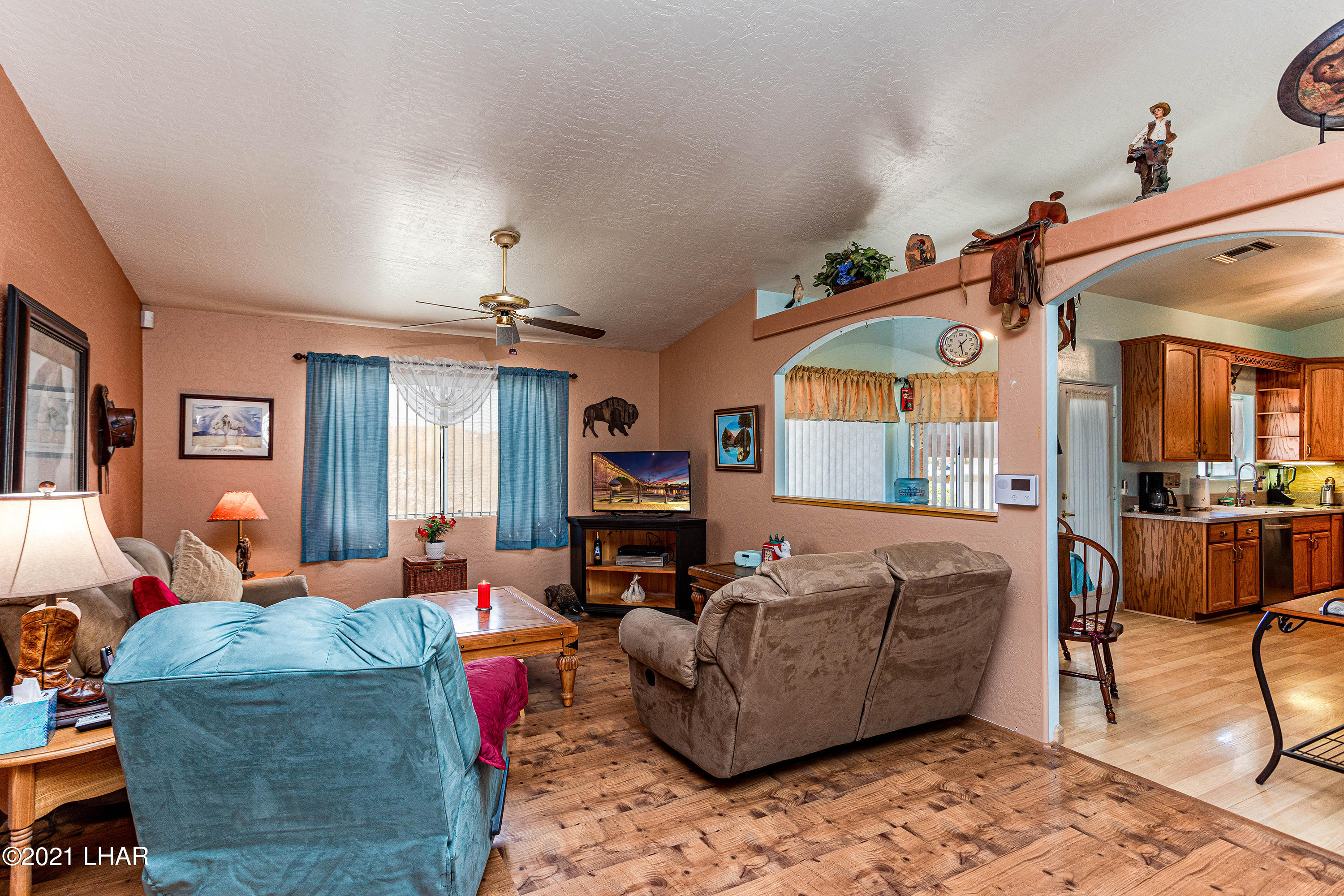 Listing photo id 10 for 1475 Avalon