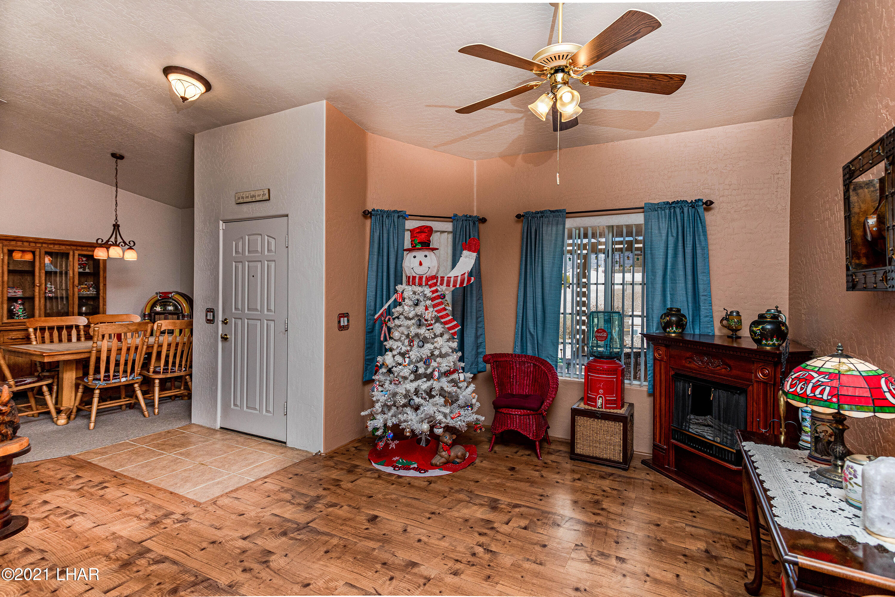 Listing photo id 11 for 1475 Avalon