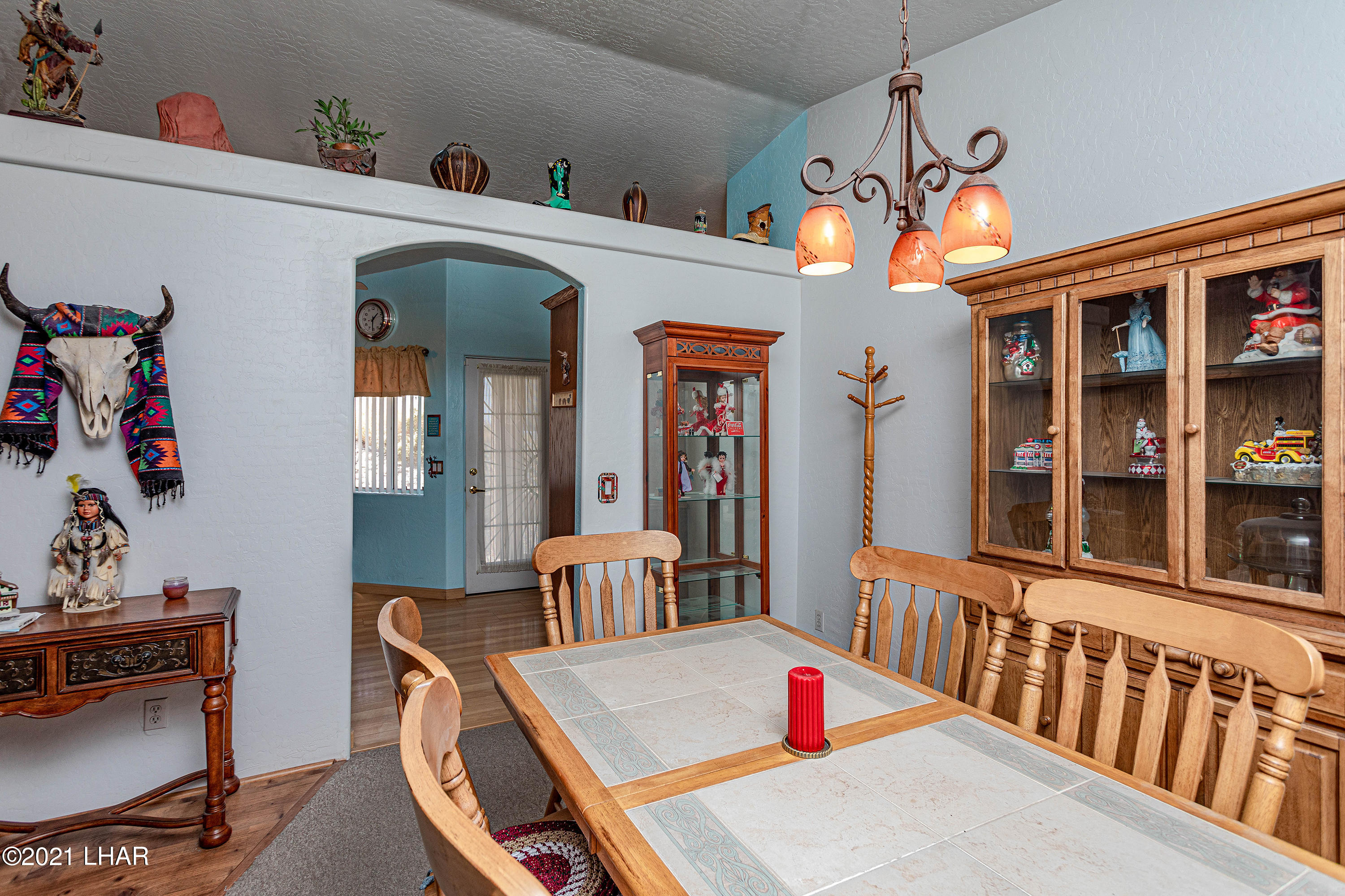 Listing photo id 14 for 1475 Avalon