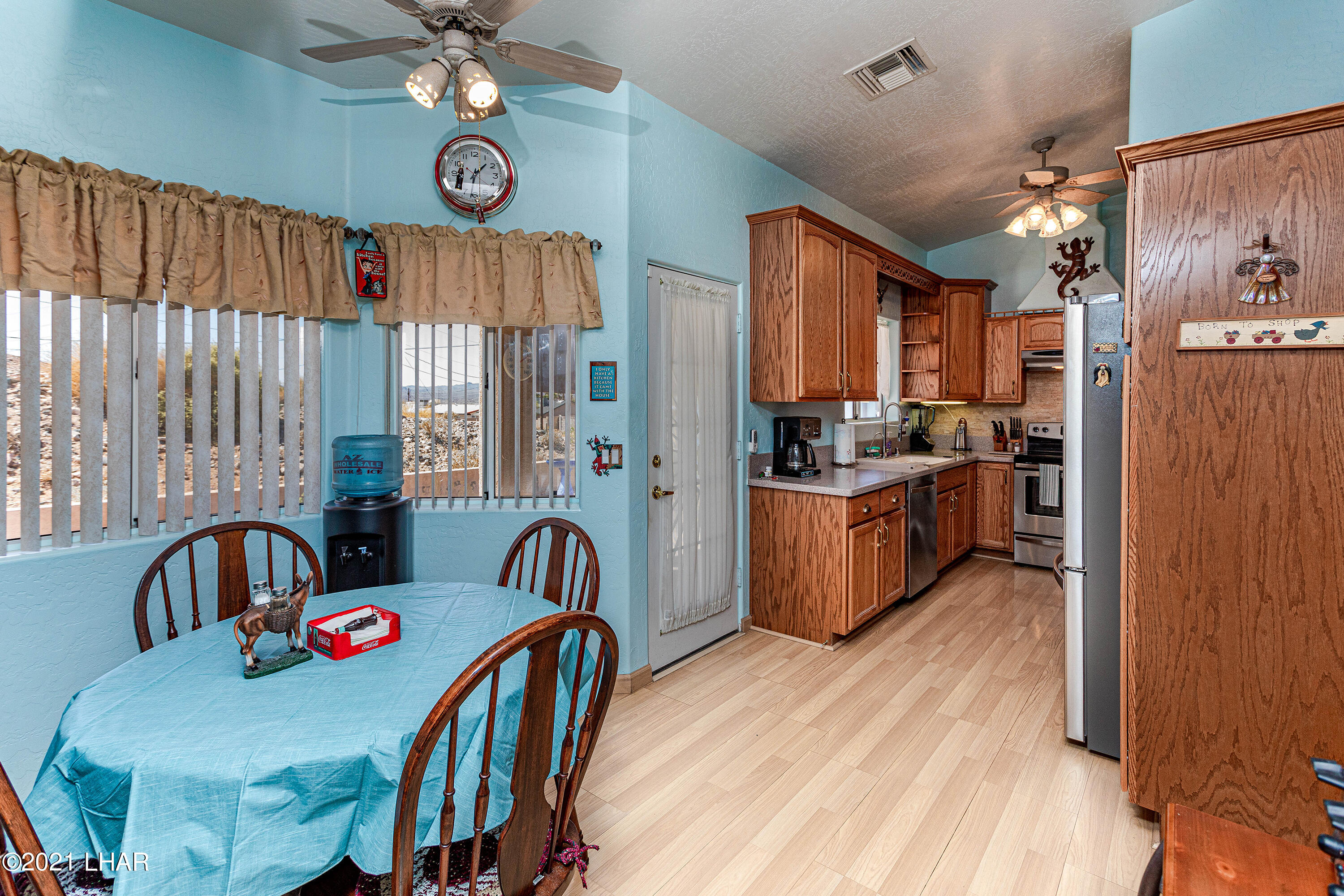 Listing photo id 15 for 1475 Avalon