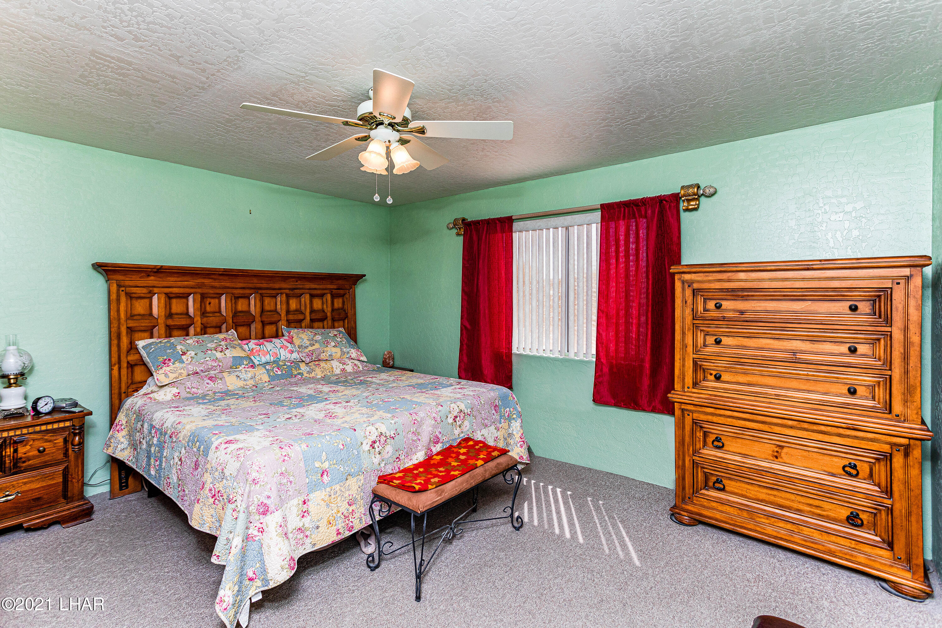 Listing photo id 19 for 1475 Avalon