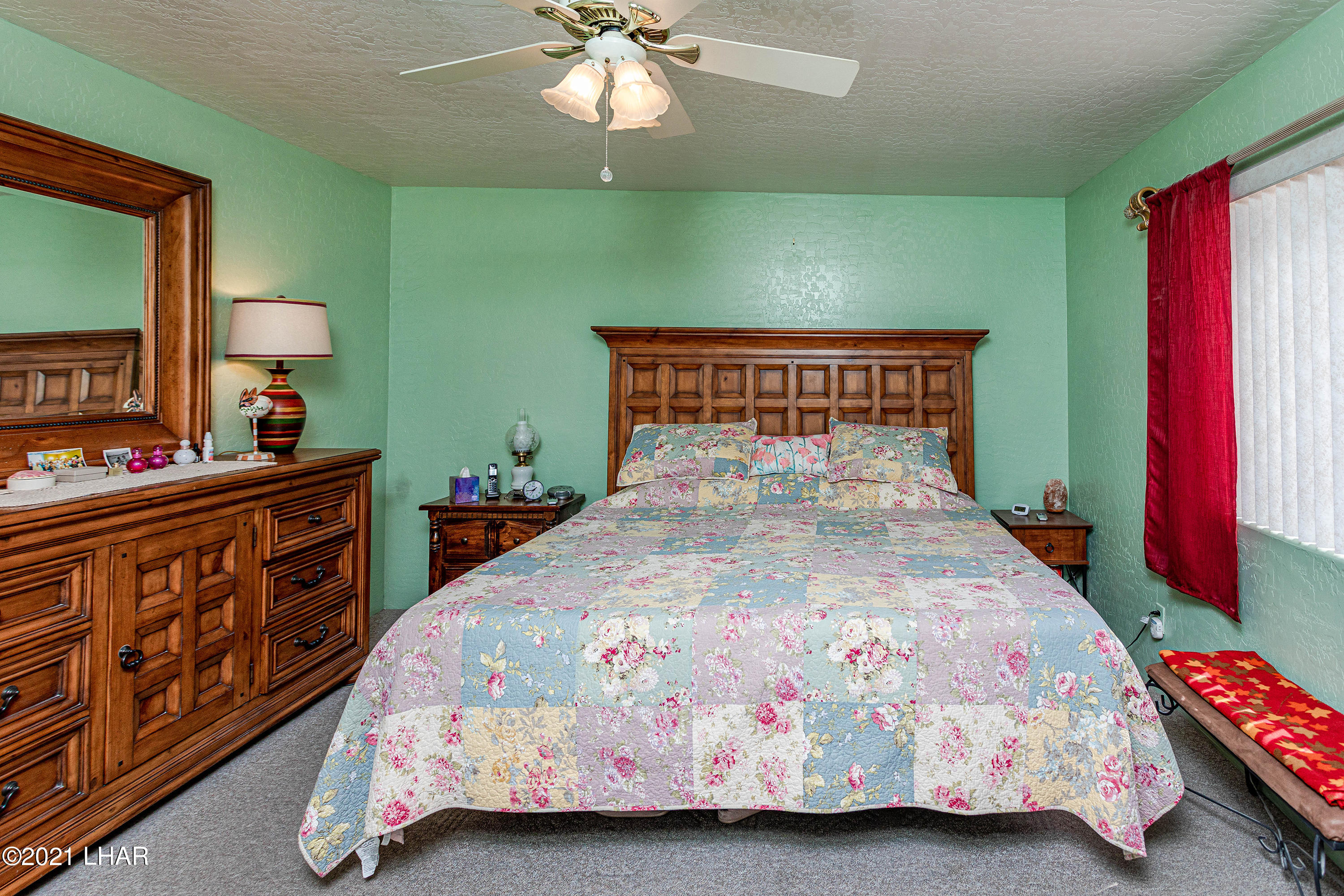 Listing photo id 20 for 1475 Avalon