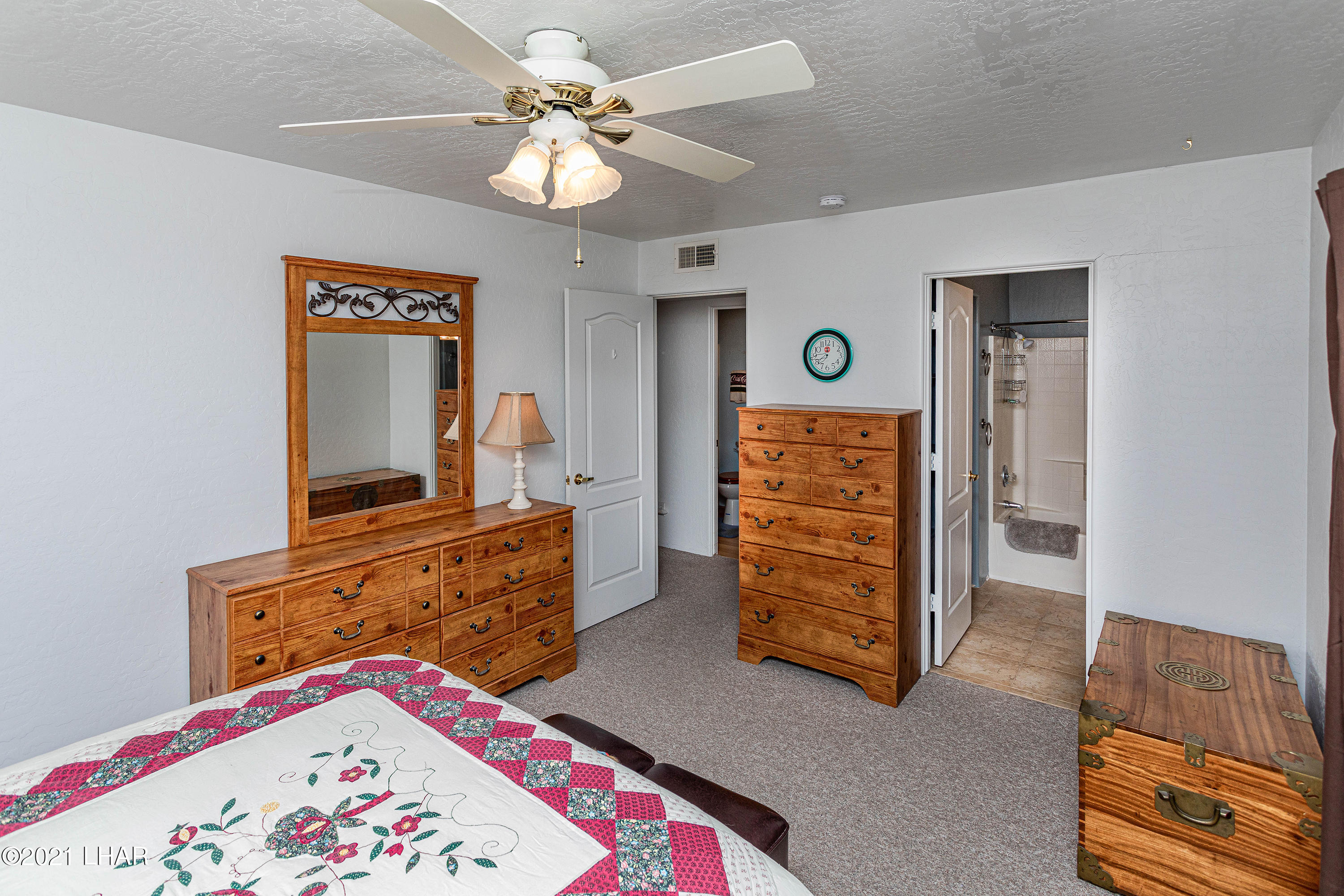 Listing photo id 24 for 1475 Avalon