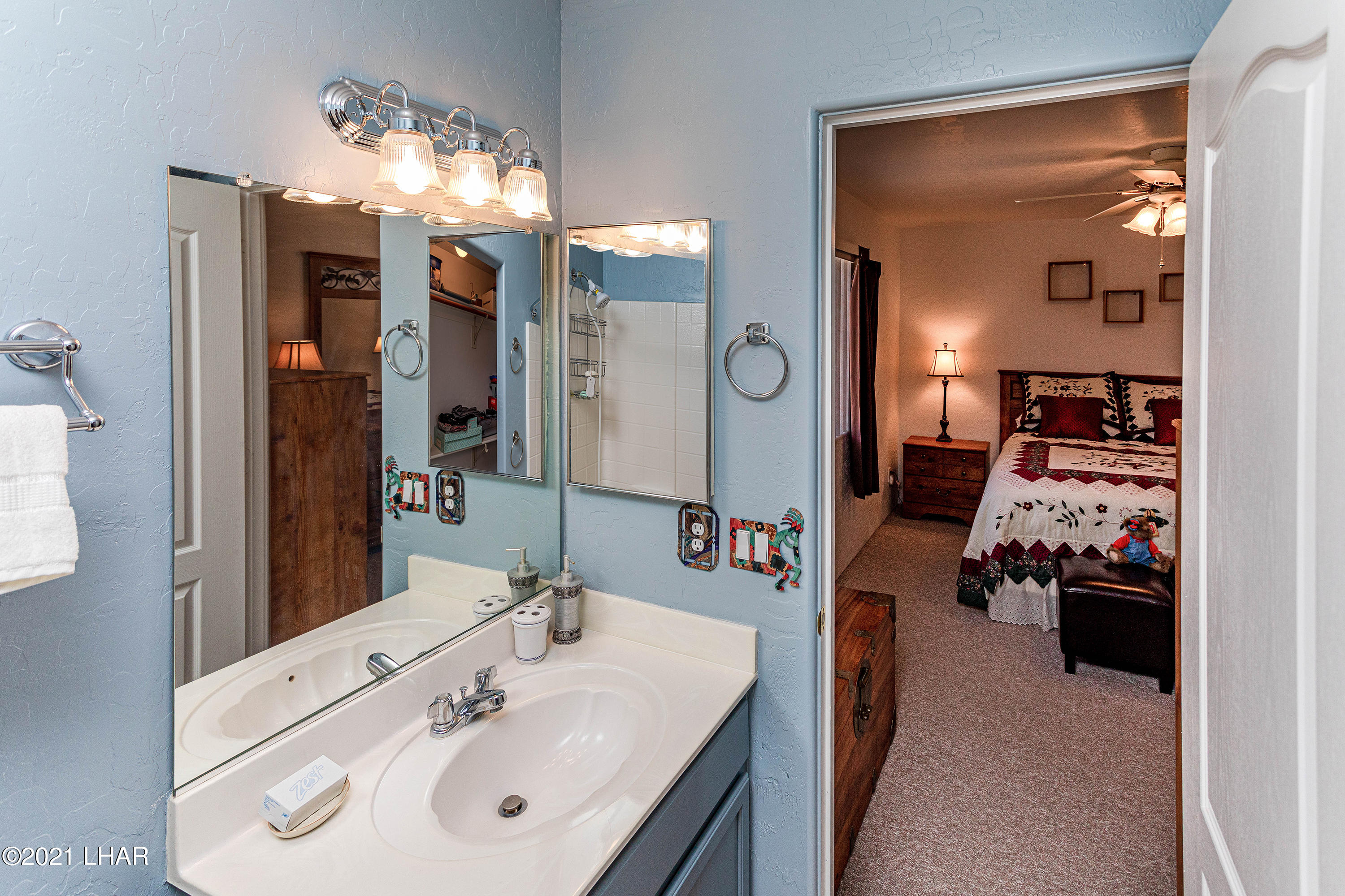 Listing photo id 25 for 1475 Avalon