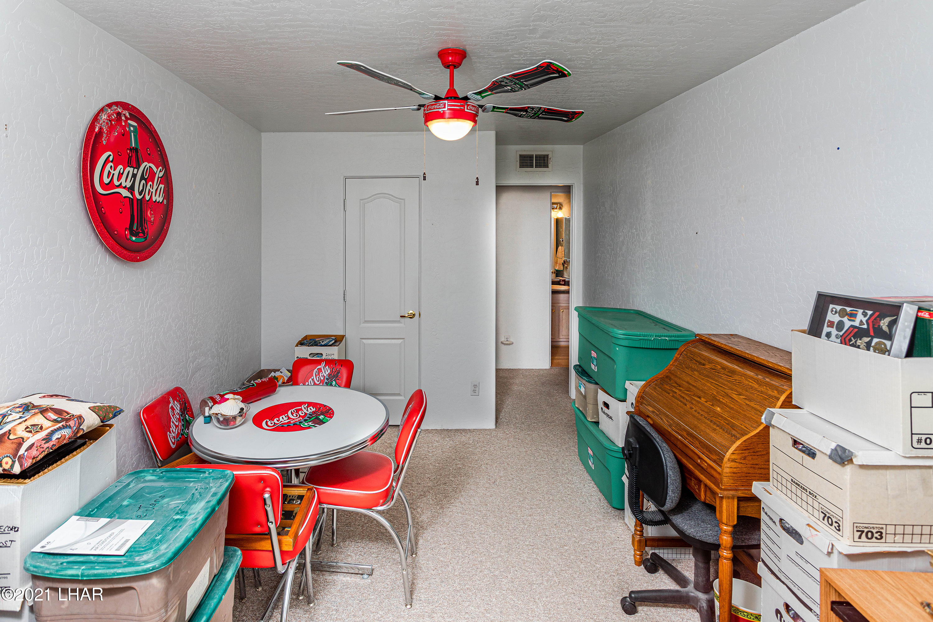 Listing photo id 27 for 1475 Avalon