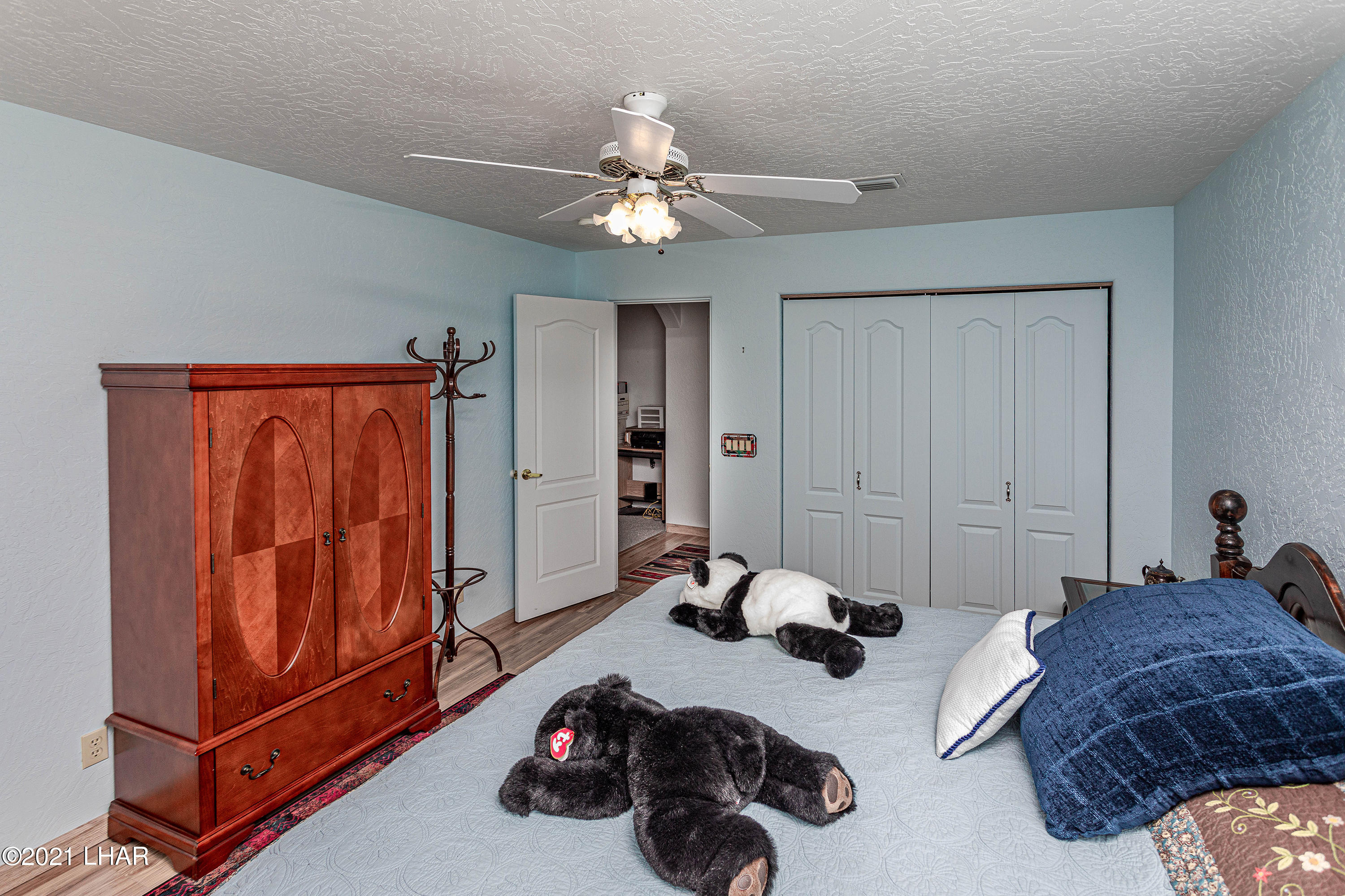 Listing photo id 29 for 1475 Avalon