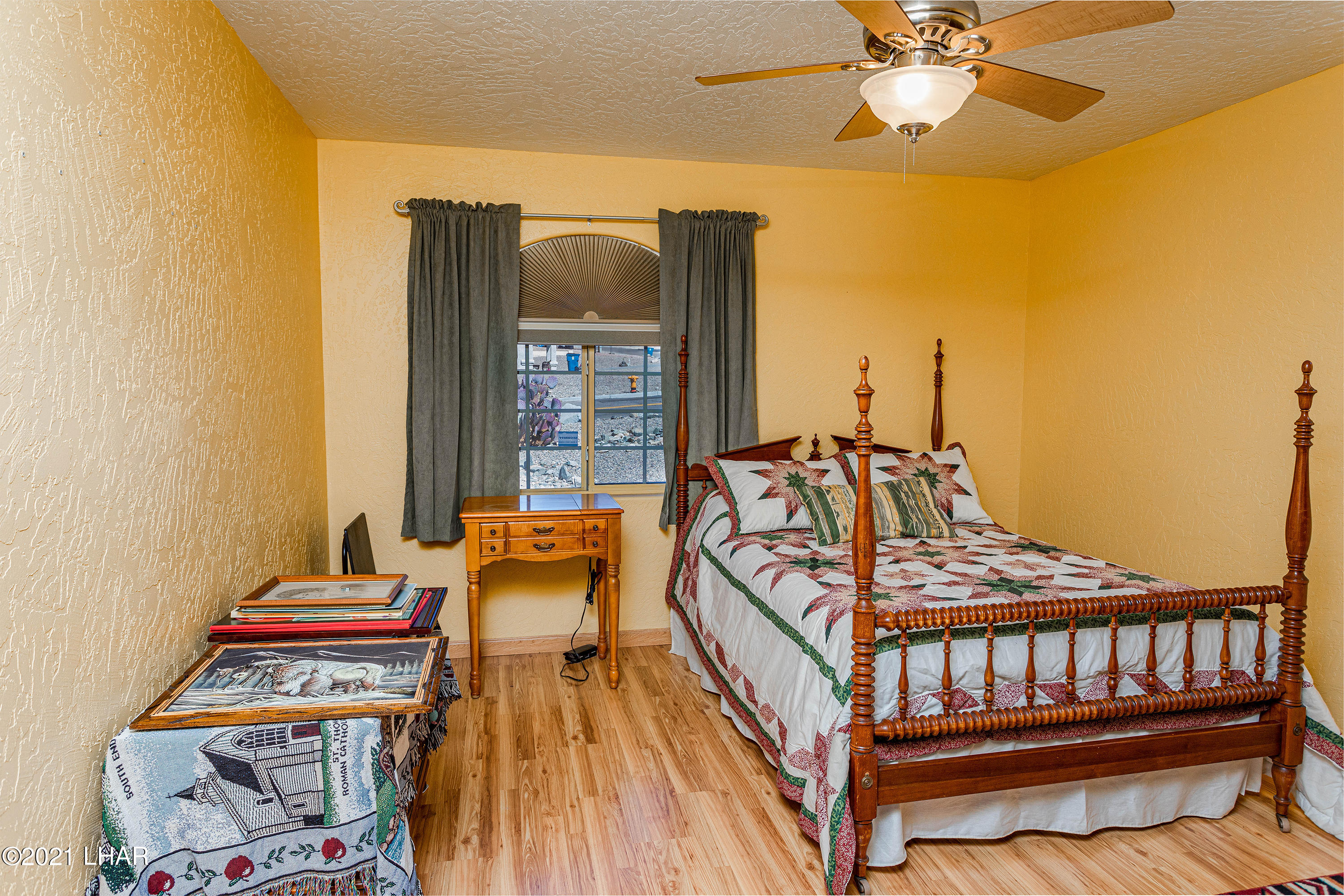 Listing photo id 30 for 1475 Avalon