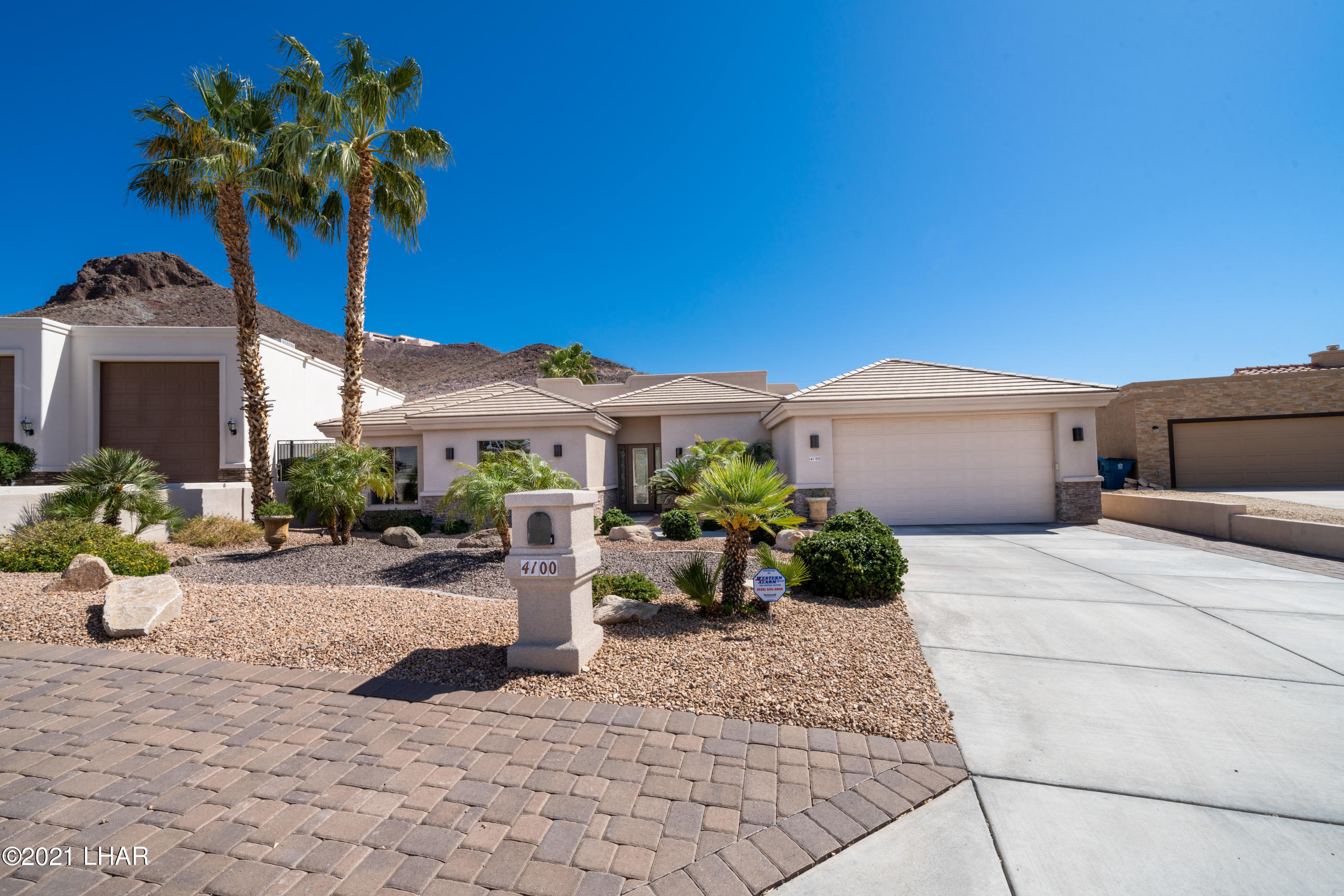 Listing photo id 2 for 4100 Black Hill