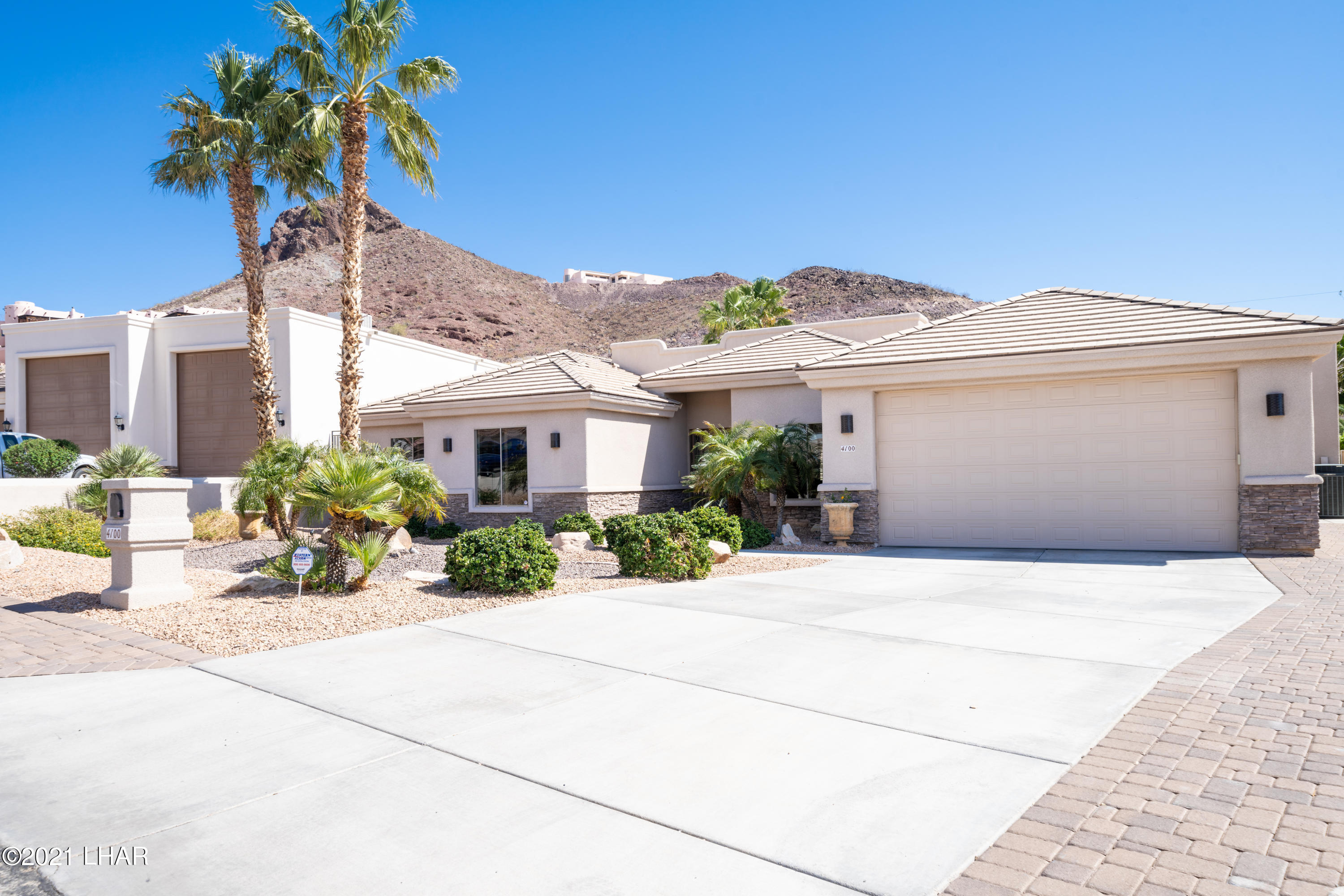 Listing photo id 3 for 4100 Black Hill