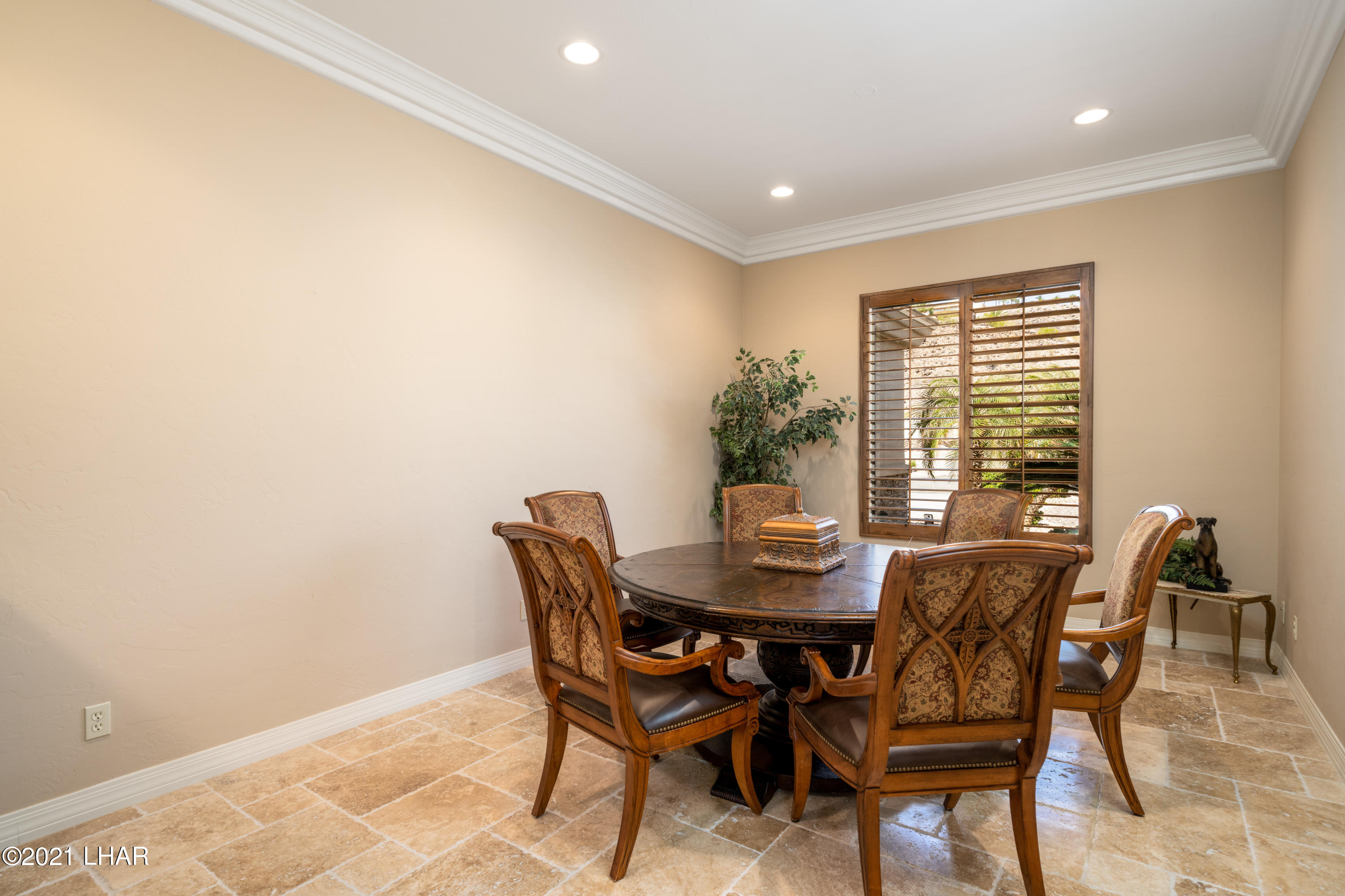 Listing photo id 11 for 4100 Black Hill