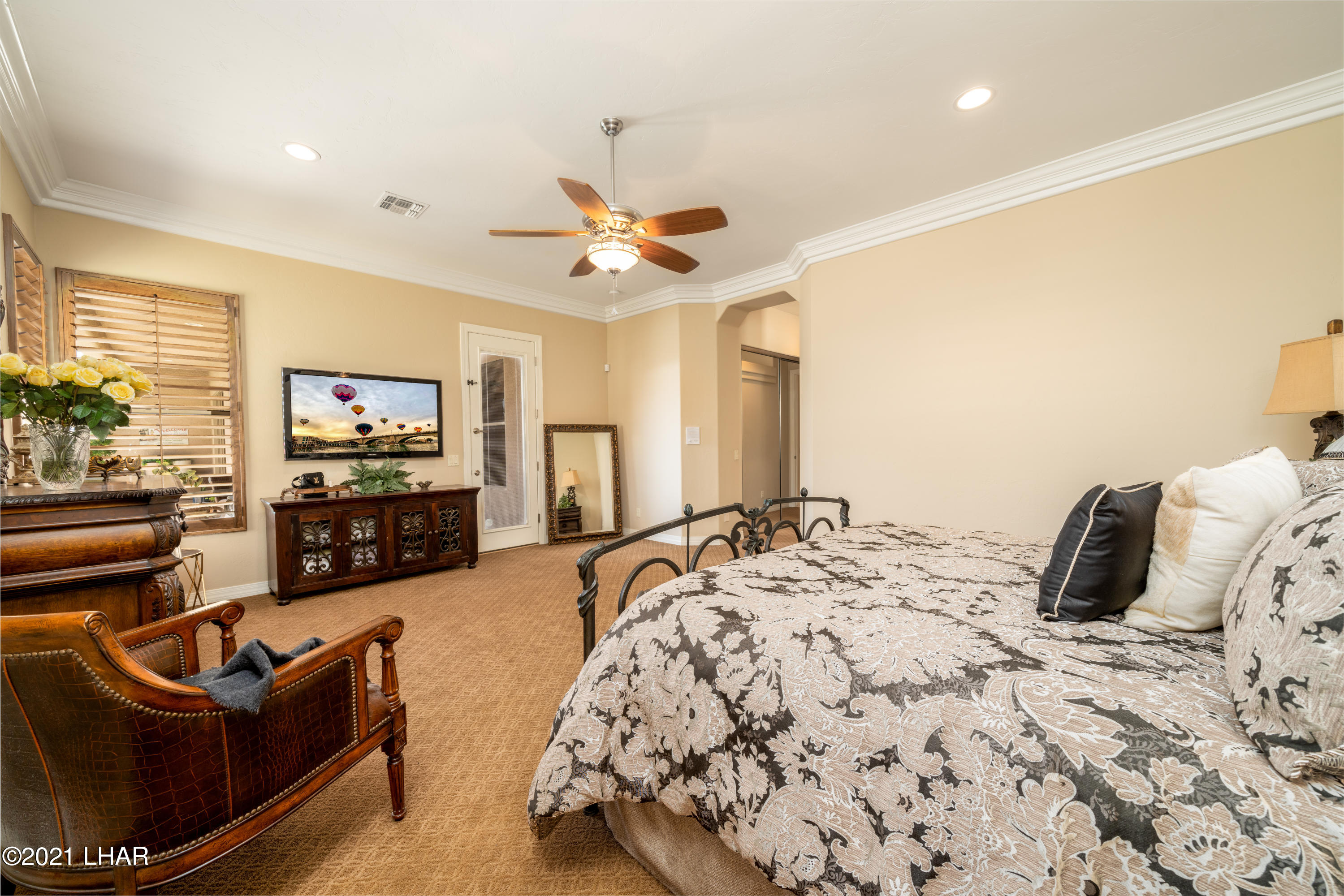 Listing photo id 22 for 4100 Black Hill