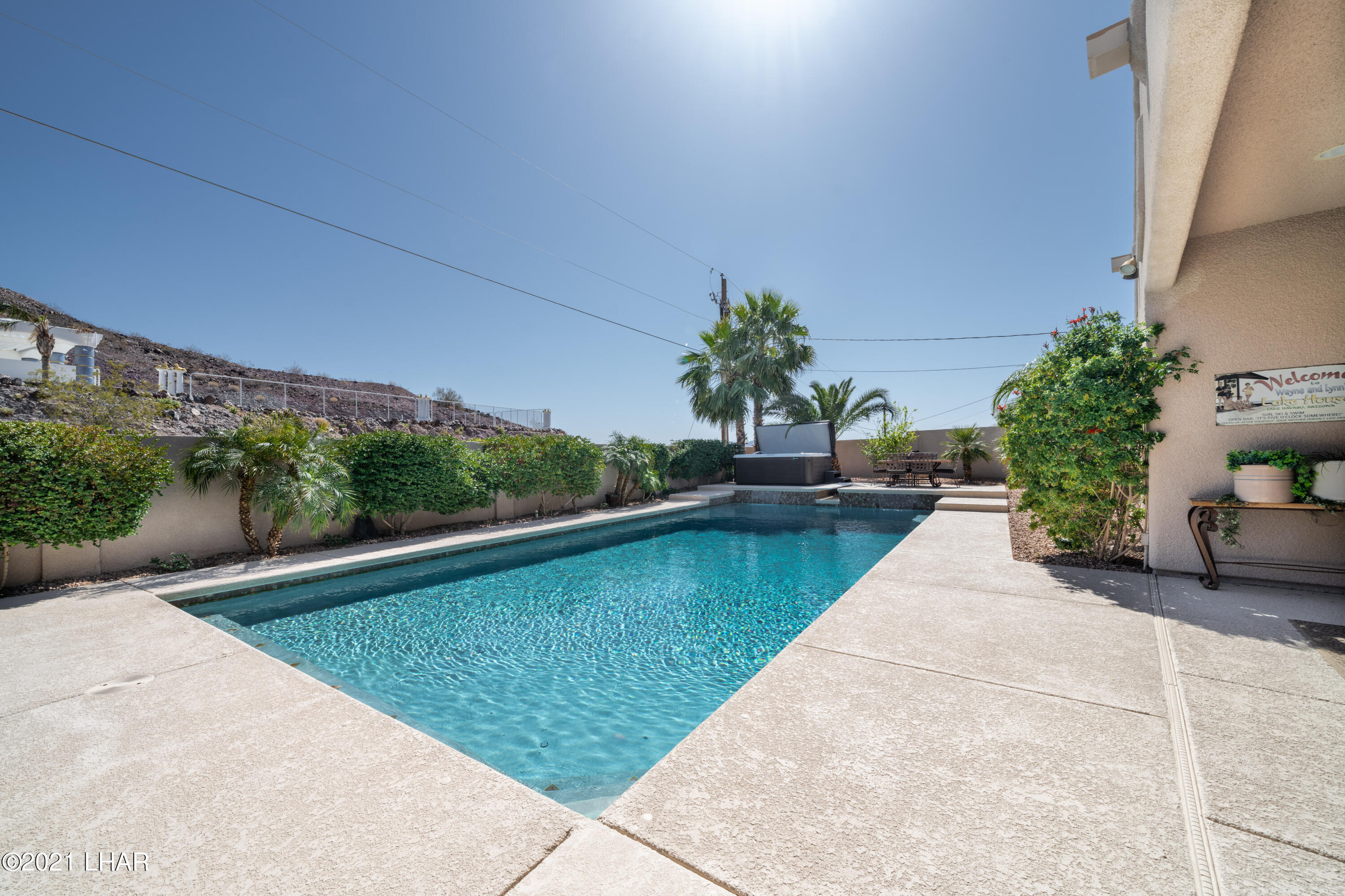 Listing photo id 38 for 4100 Black Hill