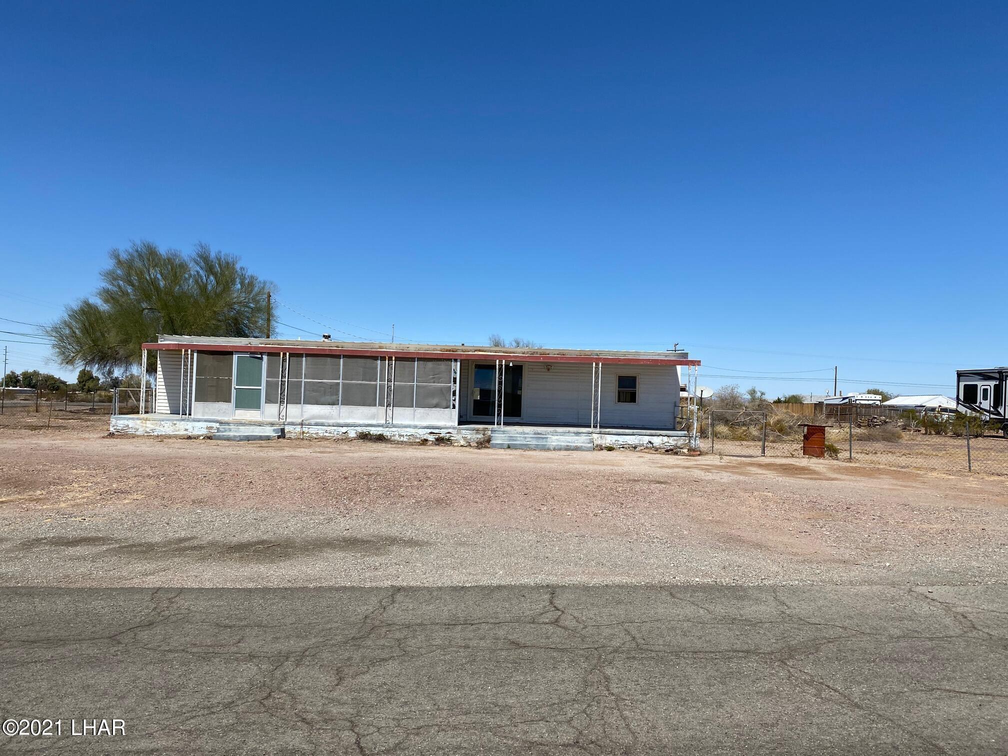 Listing photo id 9 for 27697 Santa Fe