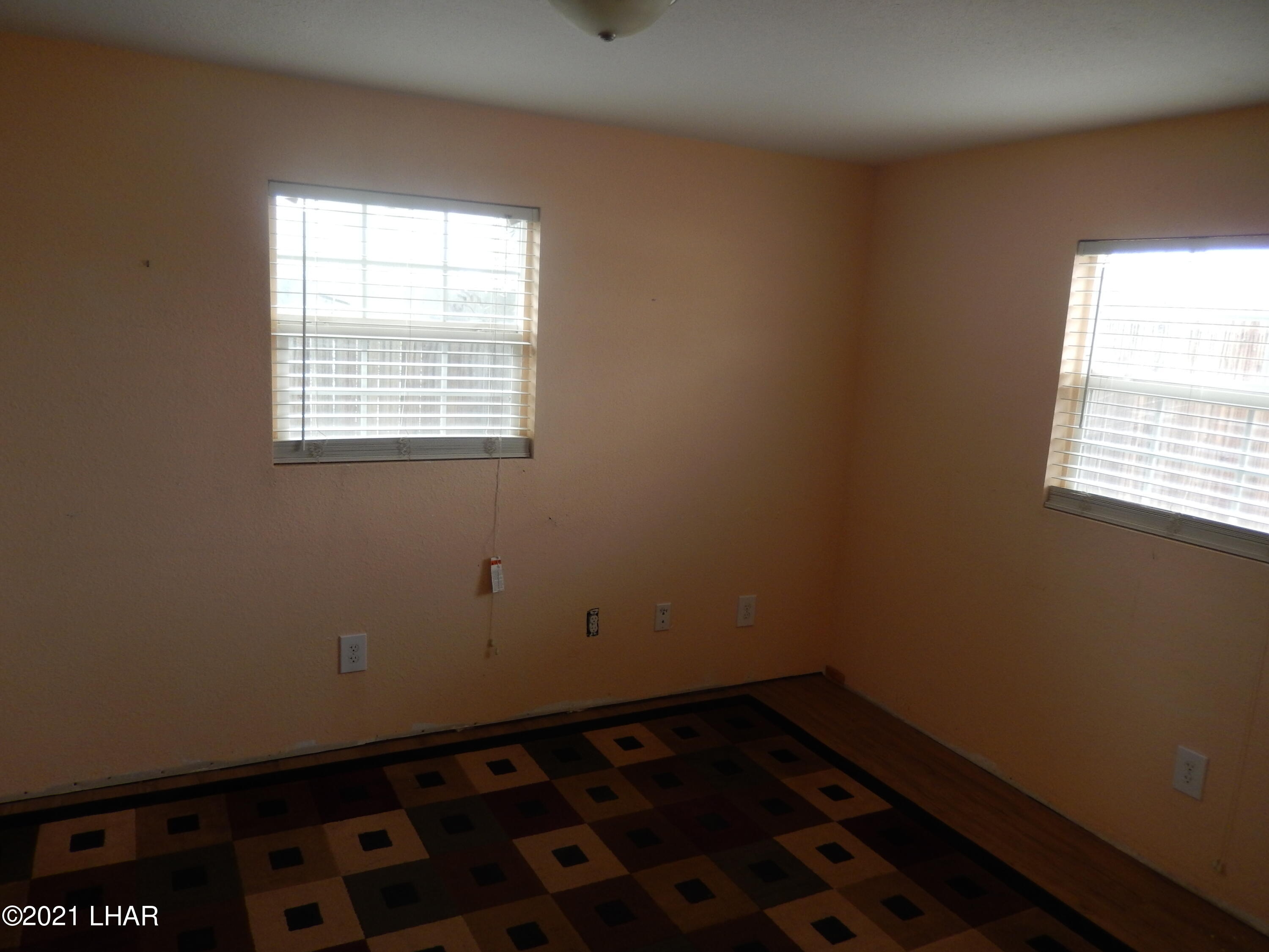 Listing photo id 4 for 66880 Ave B