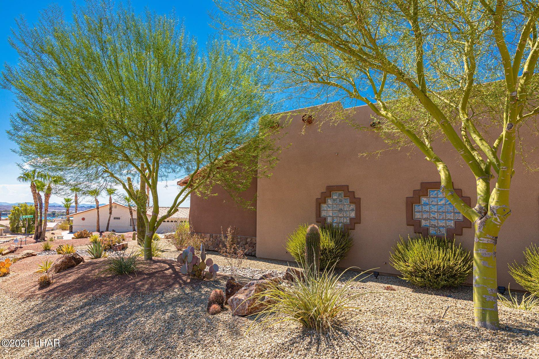 Listing photo id 20 for 351 Mulberry