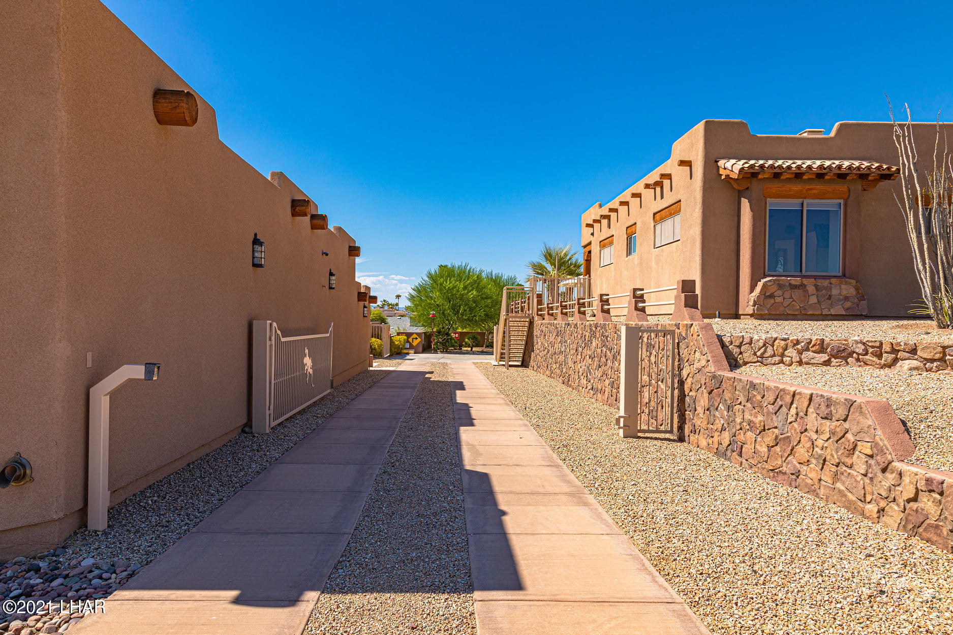 Listing photo id 15 for 351 Mulberry