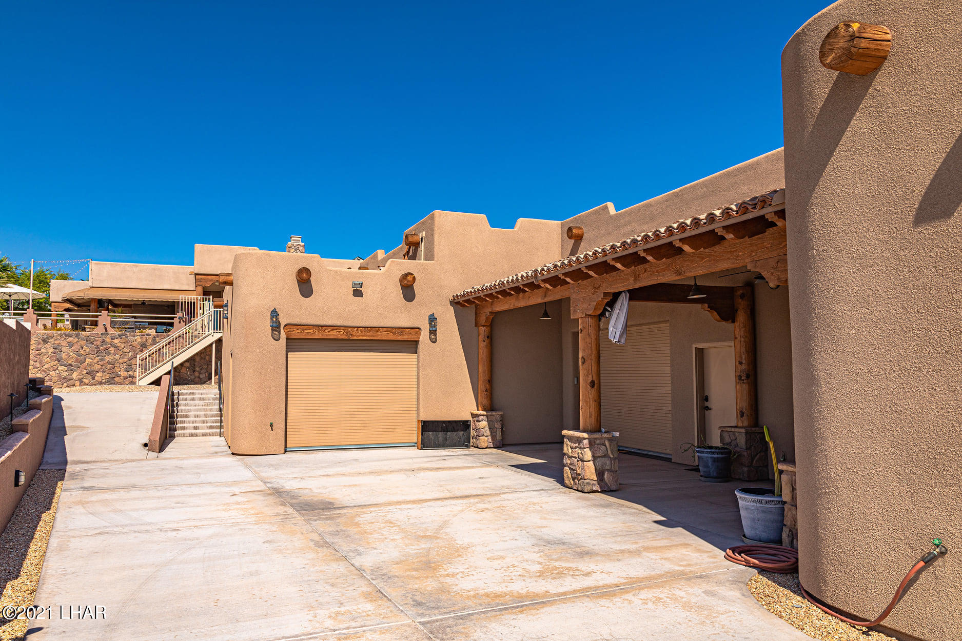 Listing photo id 28 for 351 Mulberry