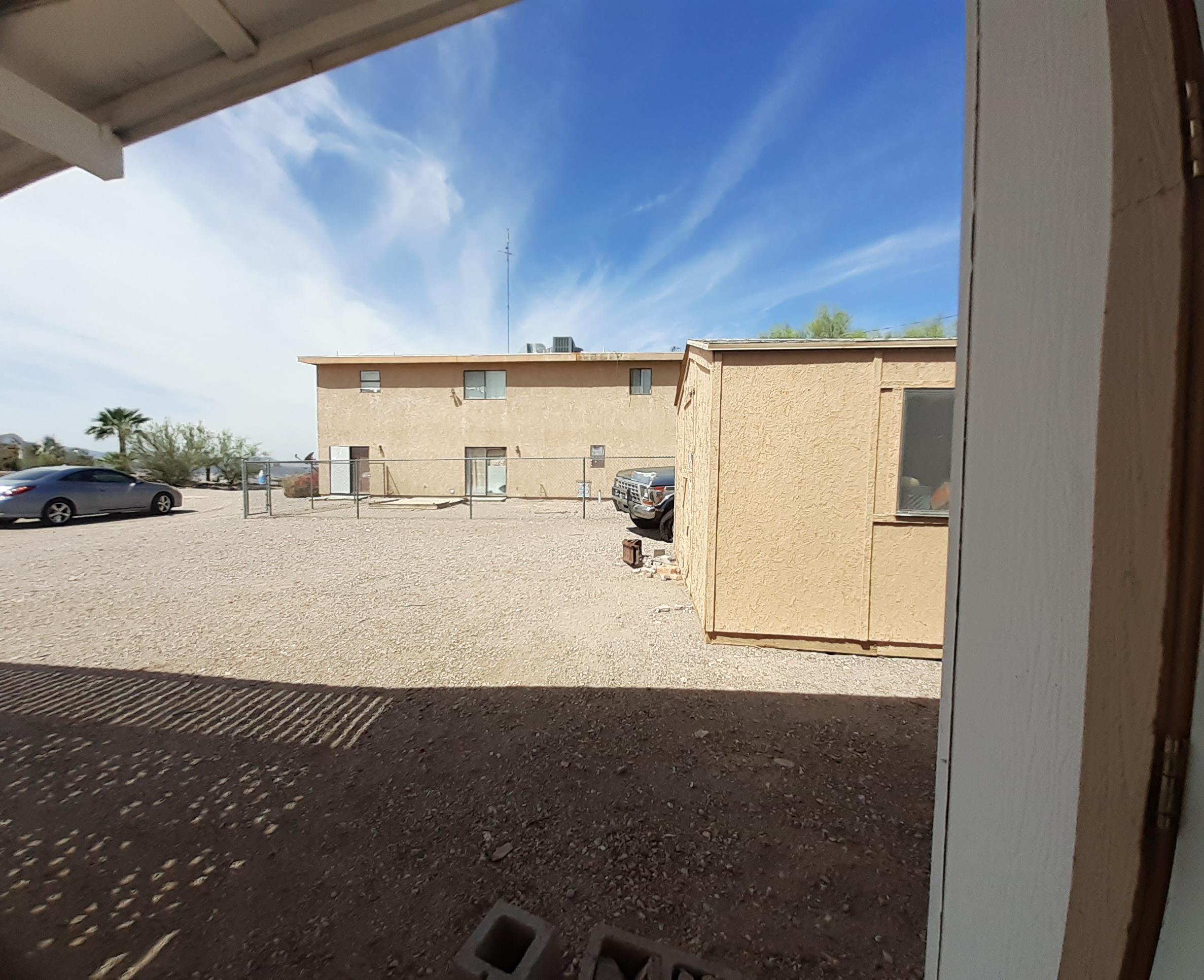Listing photo id 66 for 920 Lakeside