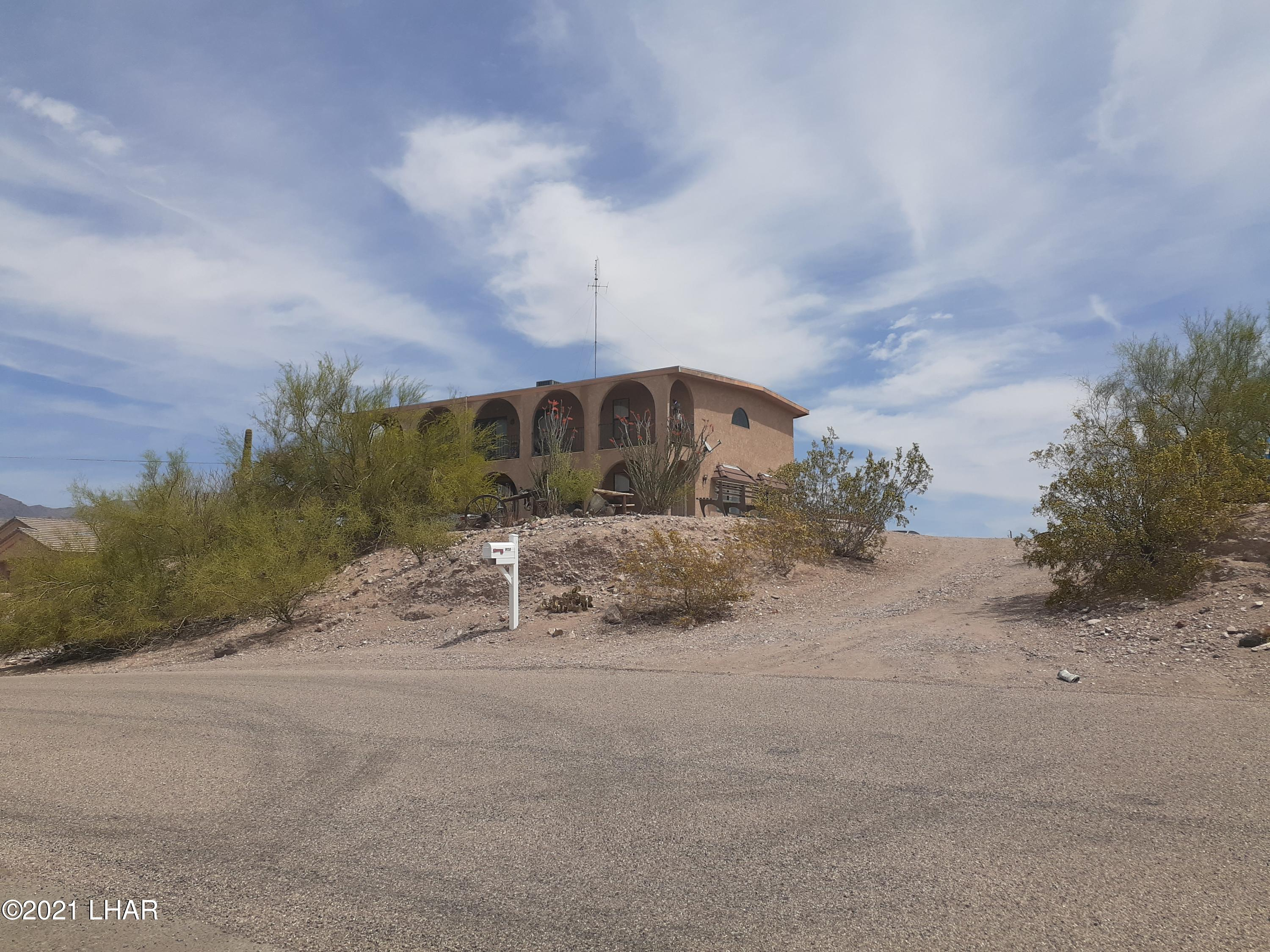 Listing photo id 92 for 920 Lakeside