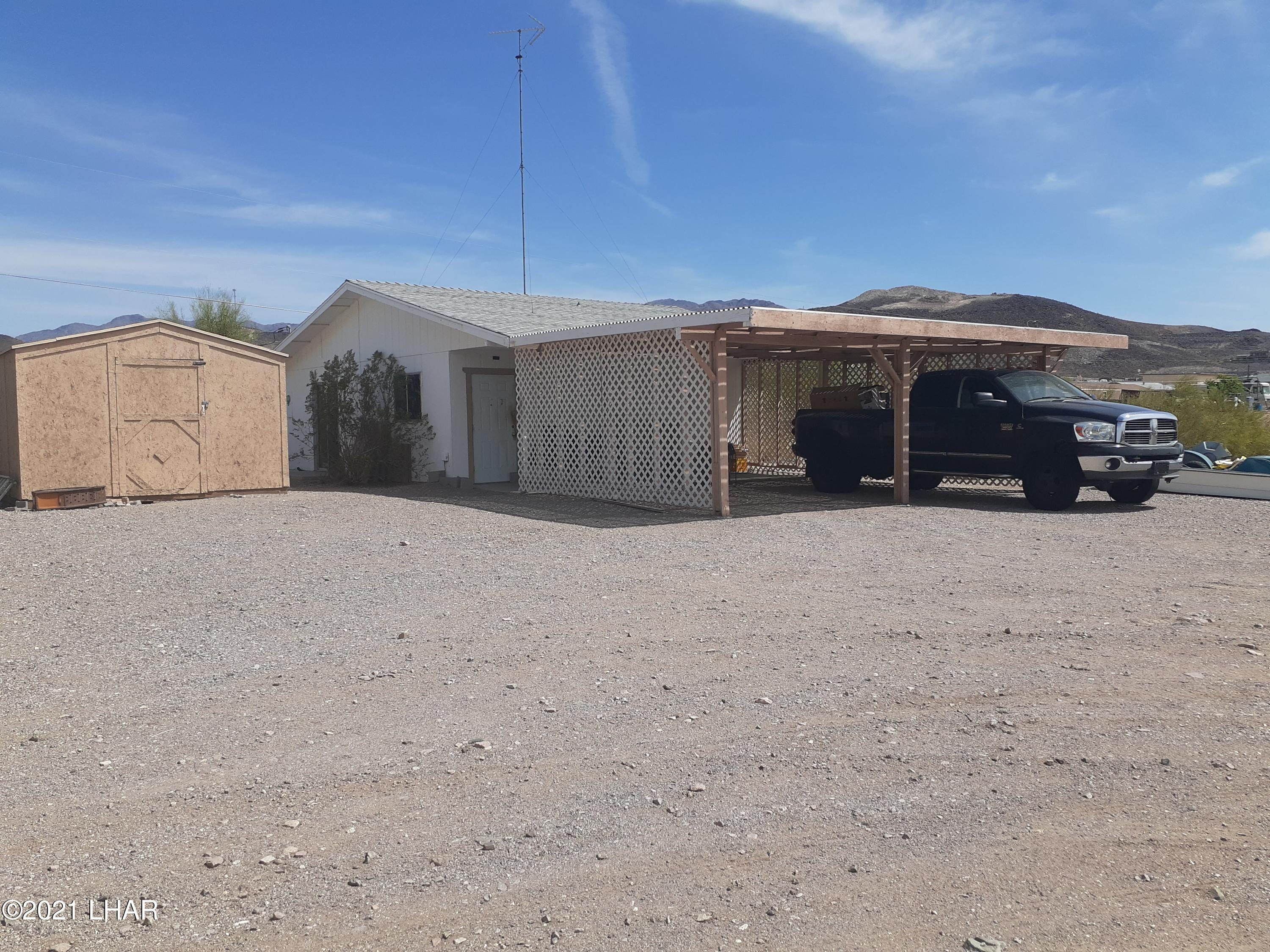 Listing photo id 61 for 920 Lakeside