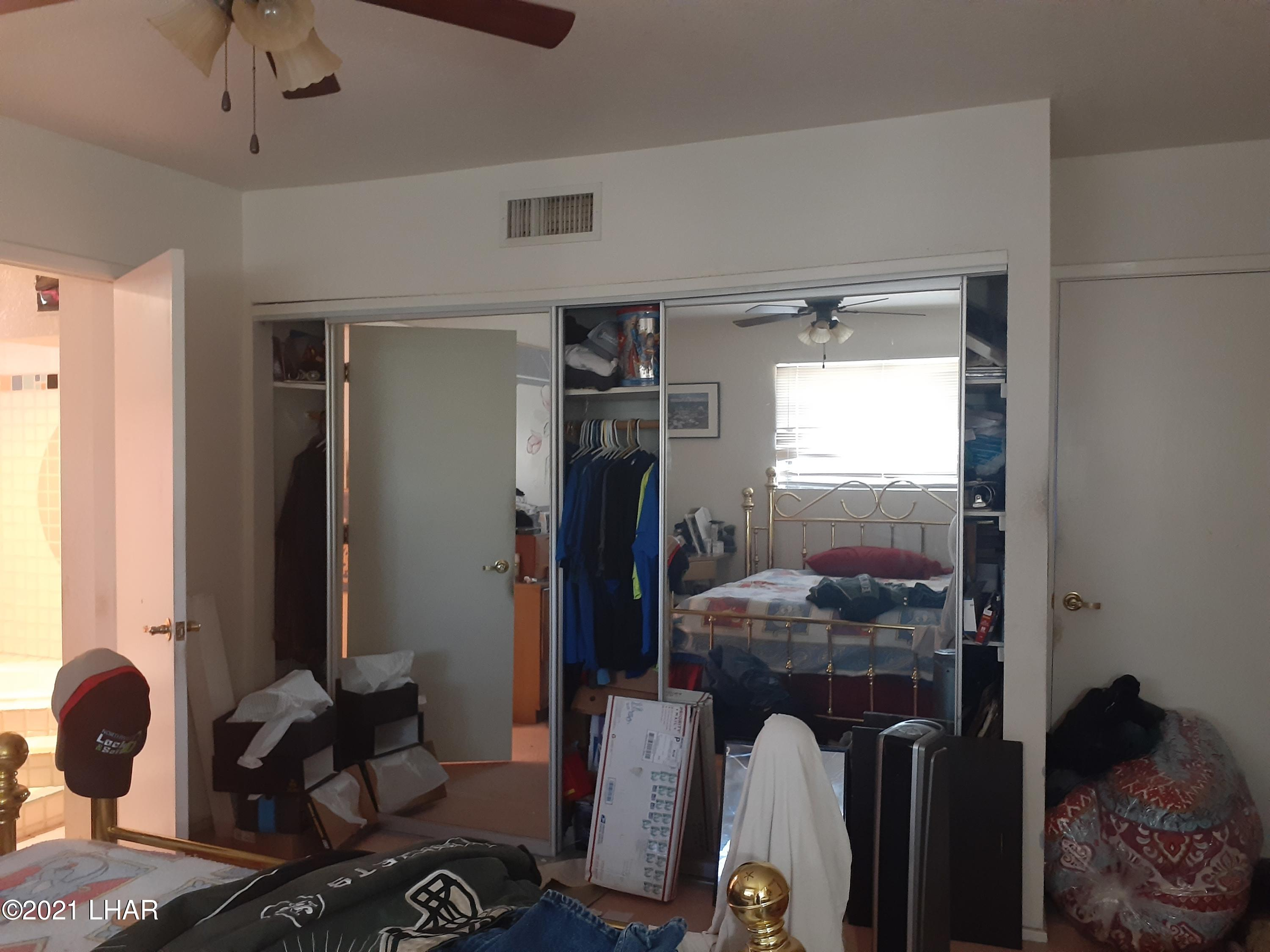 Listing photo id 22 for 920 Lakeside