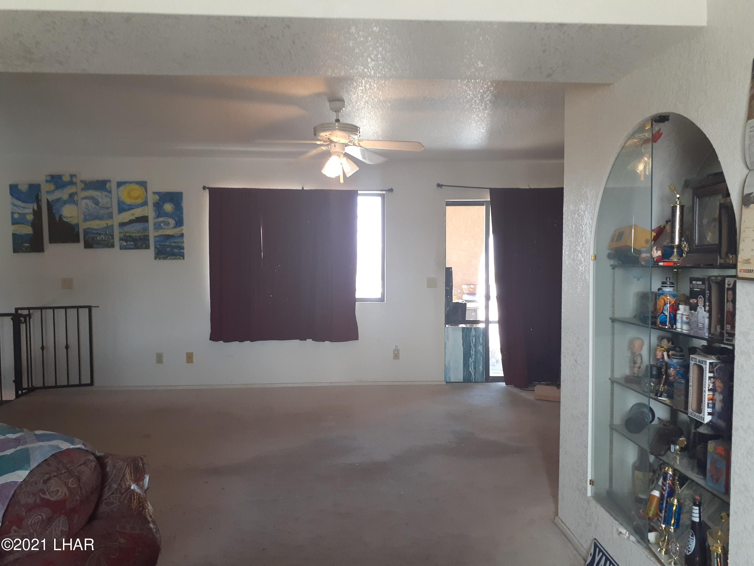 Listing photo id 43 for 920 Lakeside