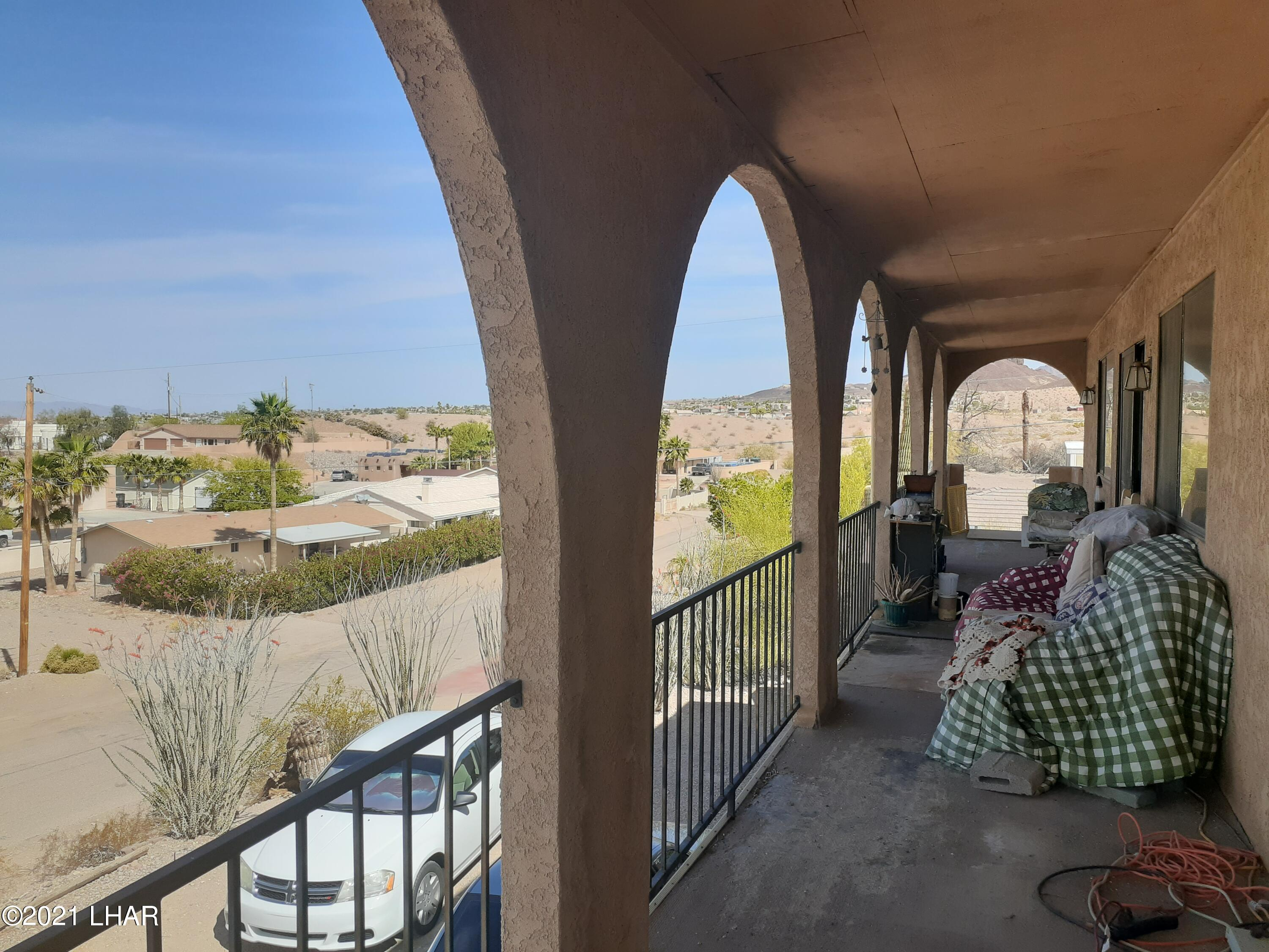 Listing photo id 49 for 920 Lakeside